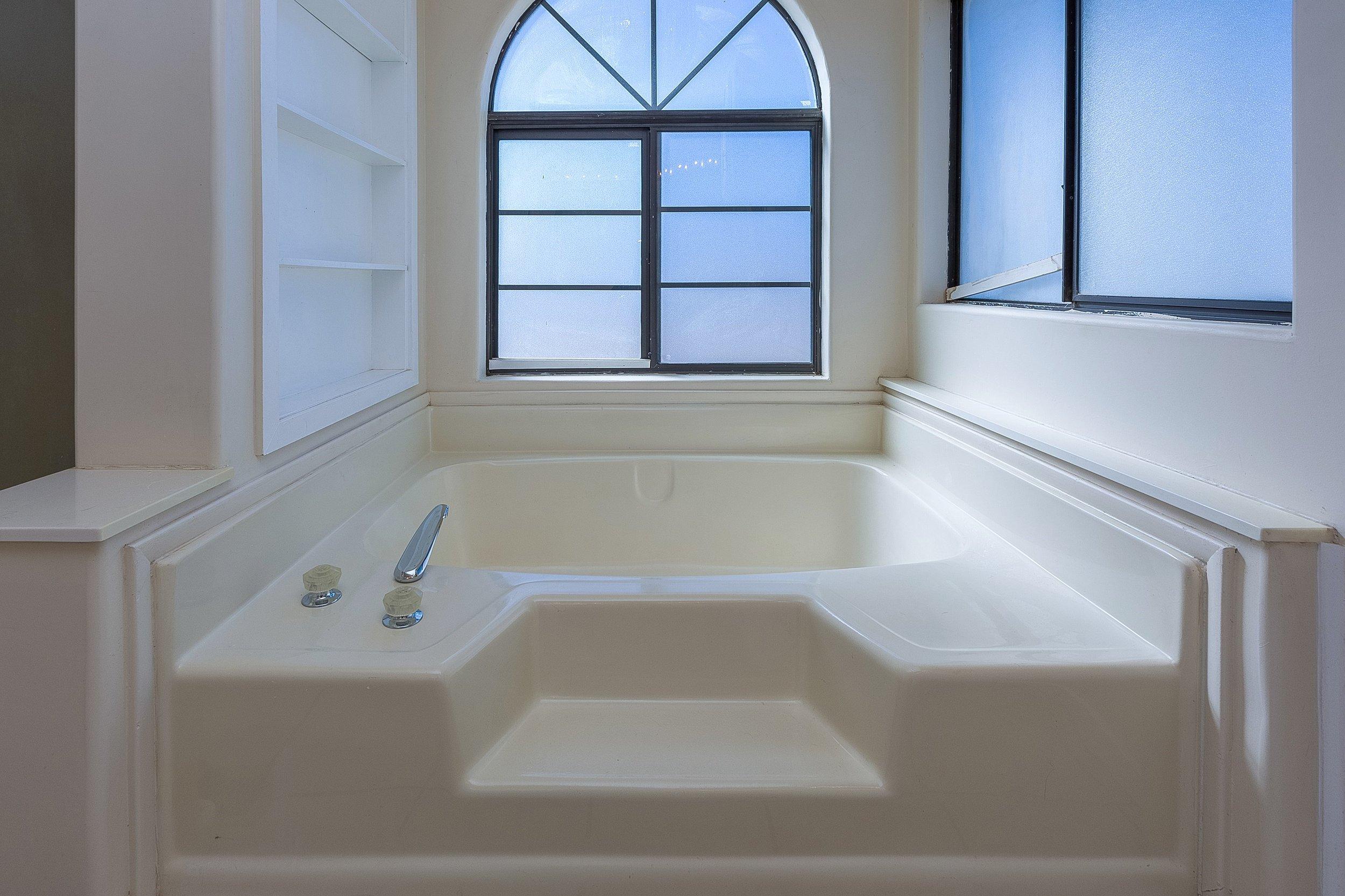 028_Master Bathroom .jpg