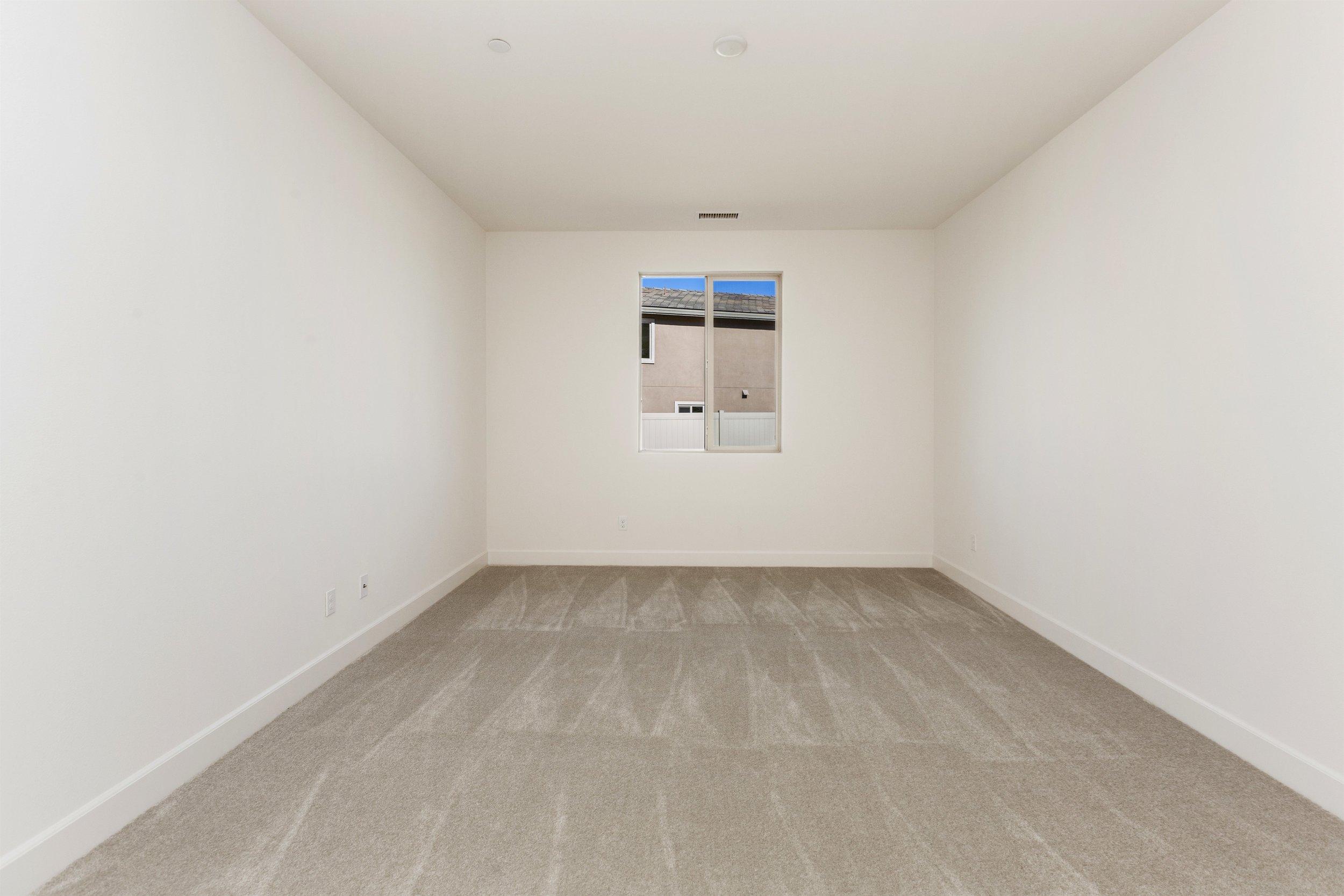 039_Bedroom.jpg