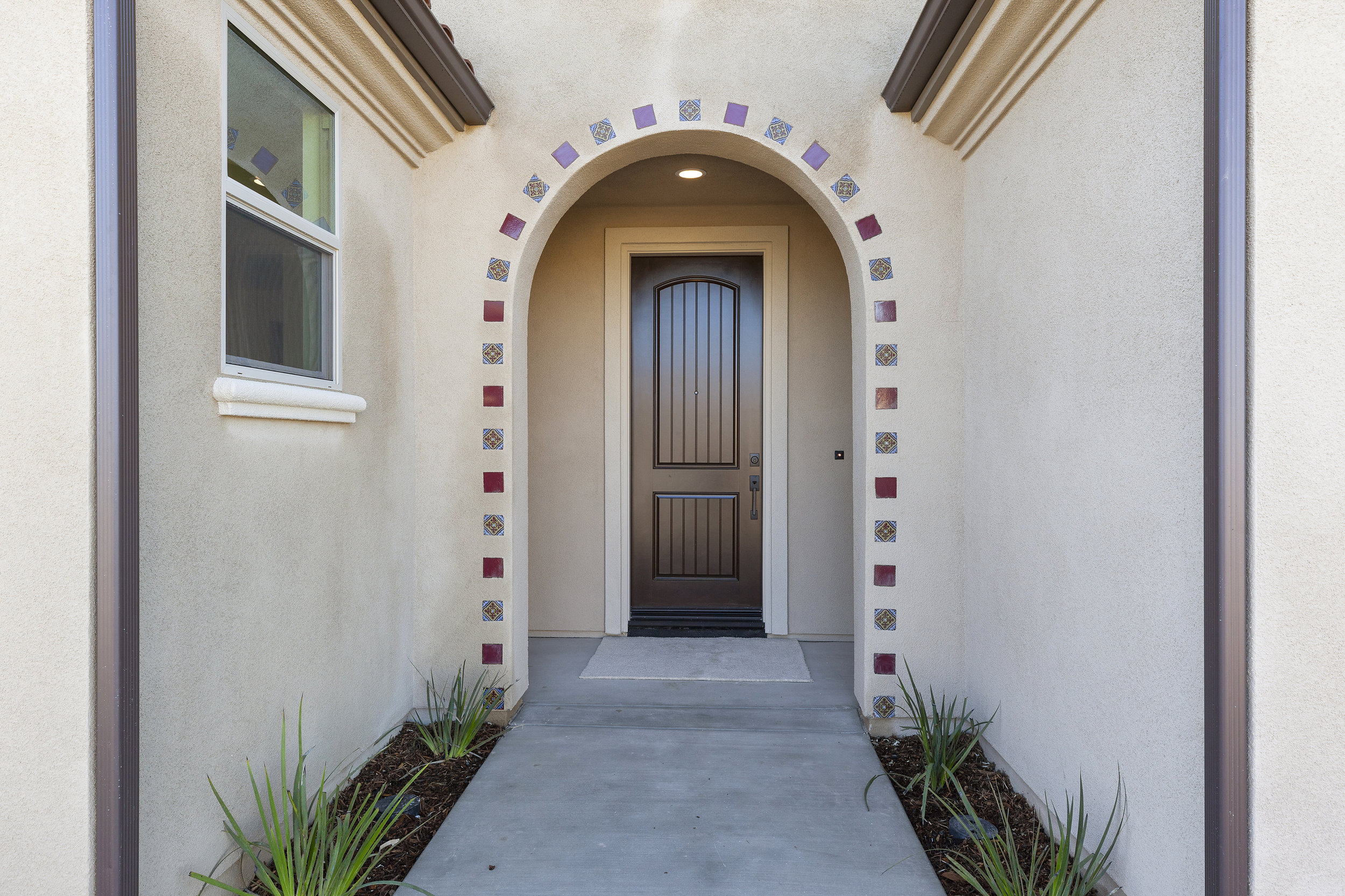 004_Front Entry.jpg