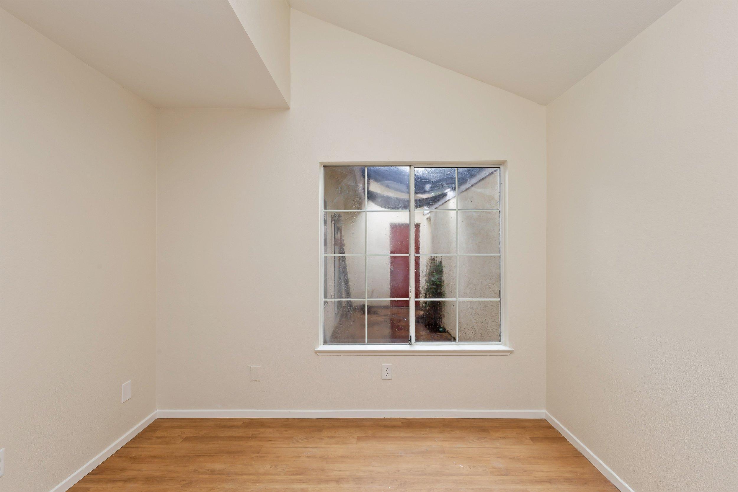 014_Bedroom .jpg