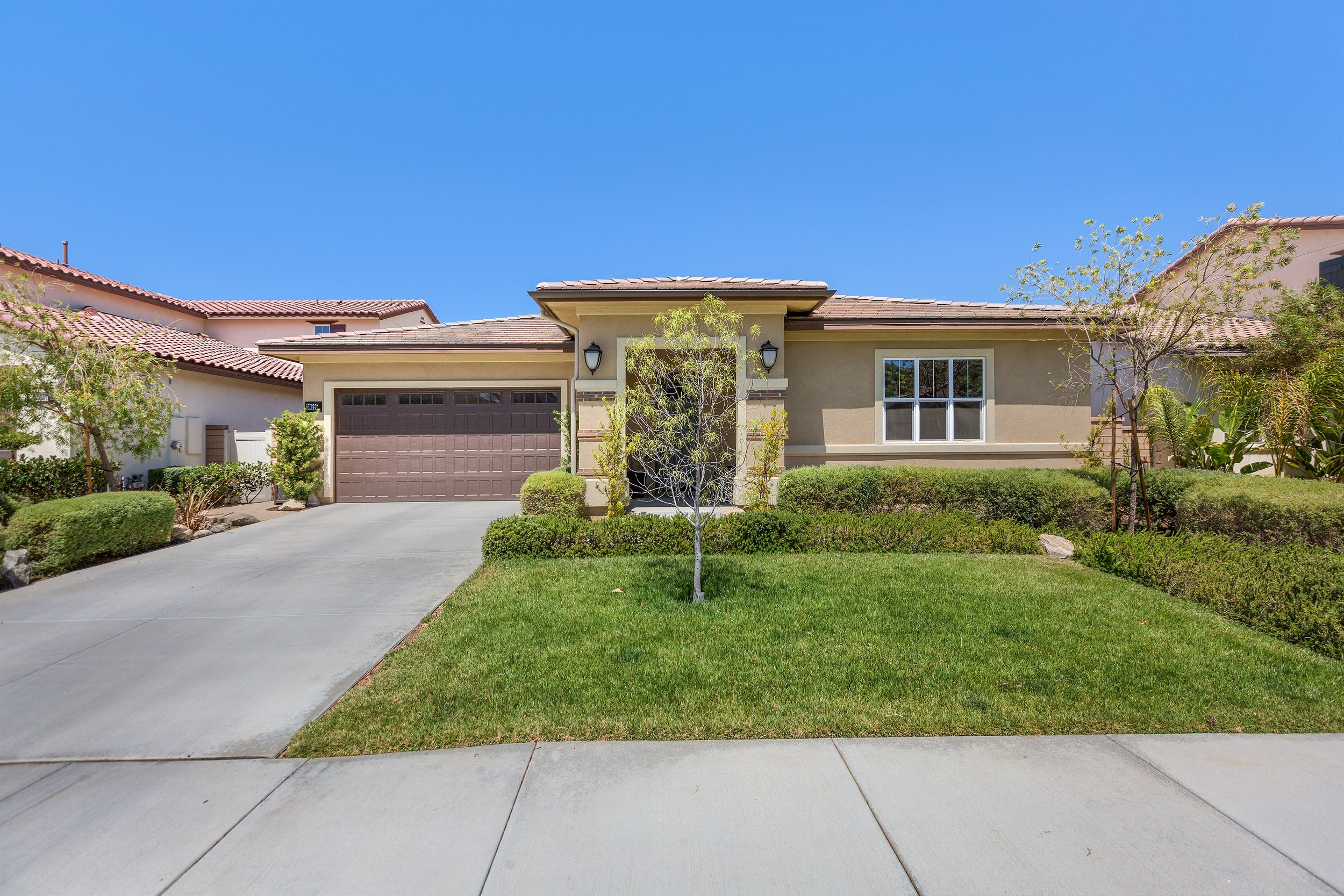 SOLD $425,000 -