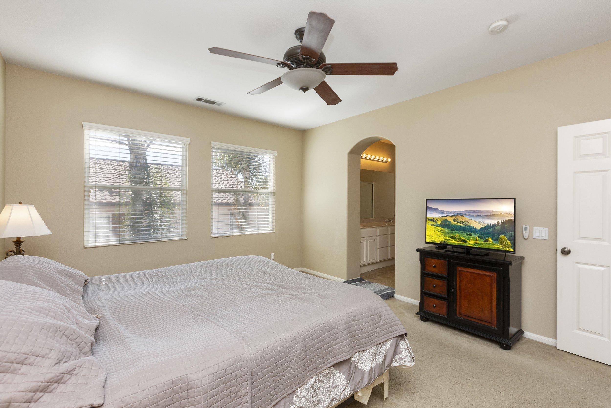 025_Master Bedroom.jpg