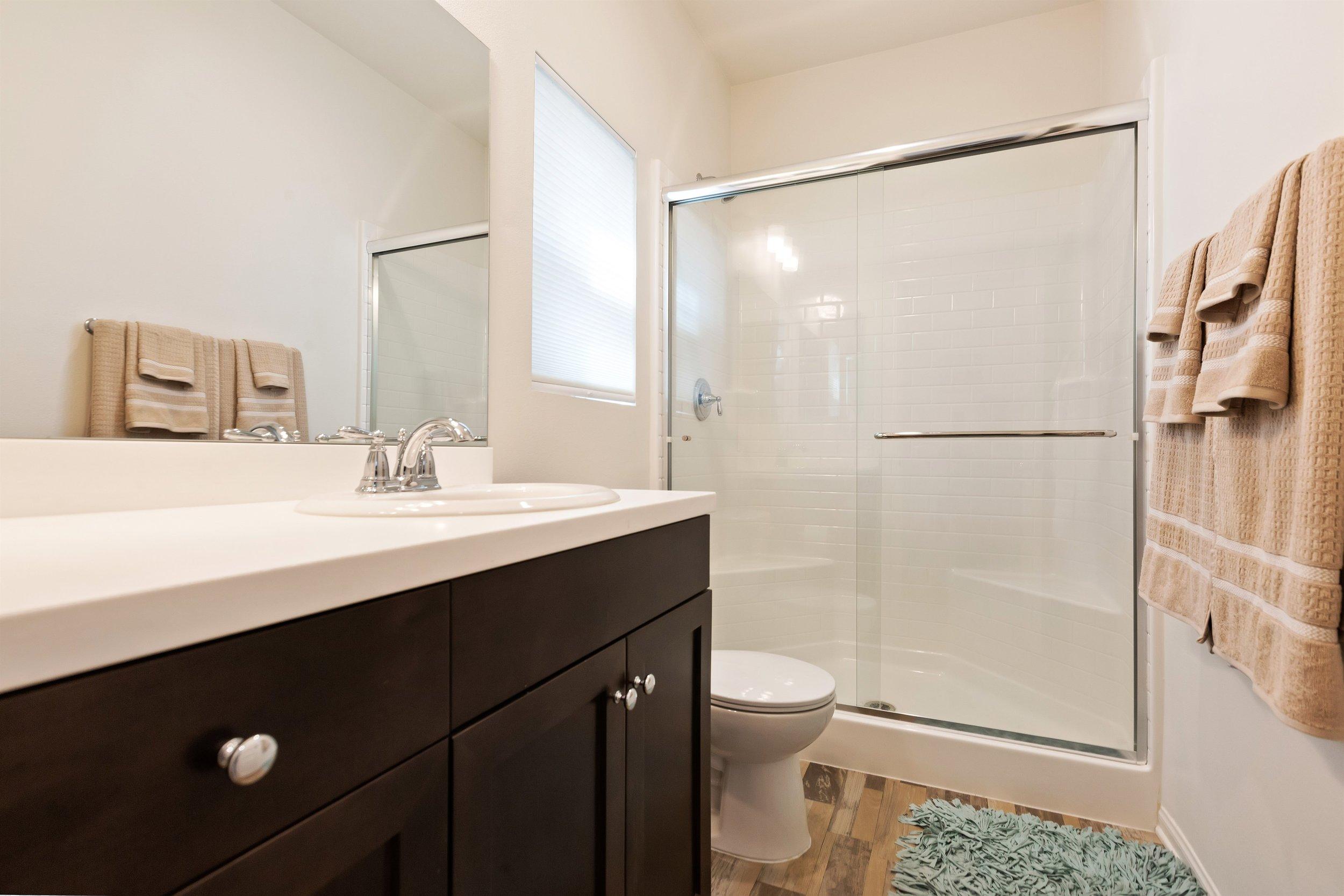 008_Bathroom.jpg
