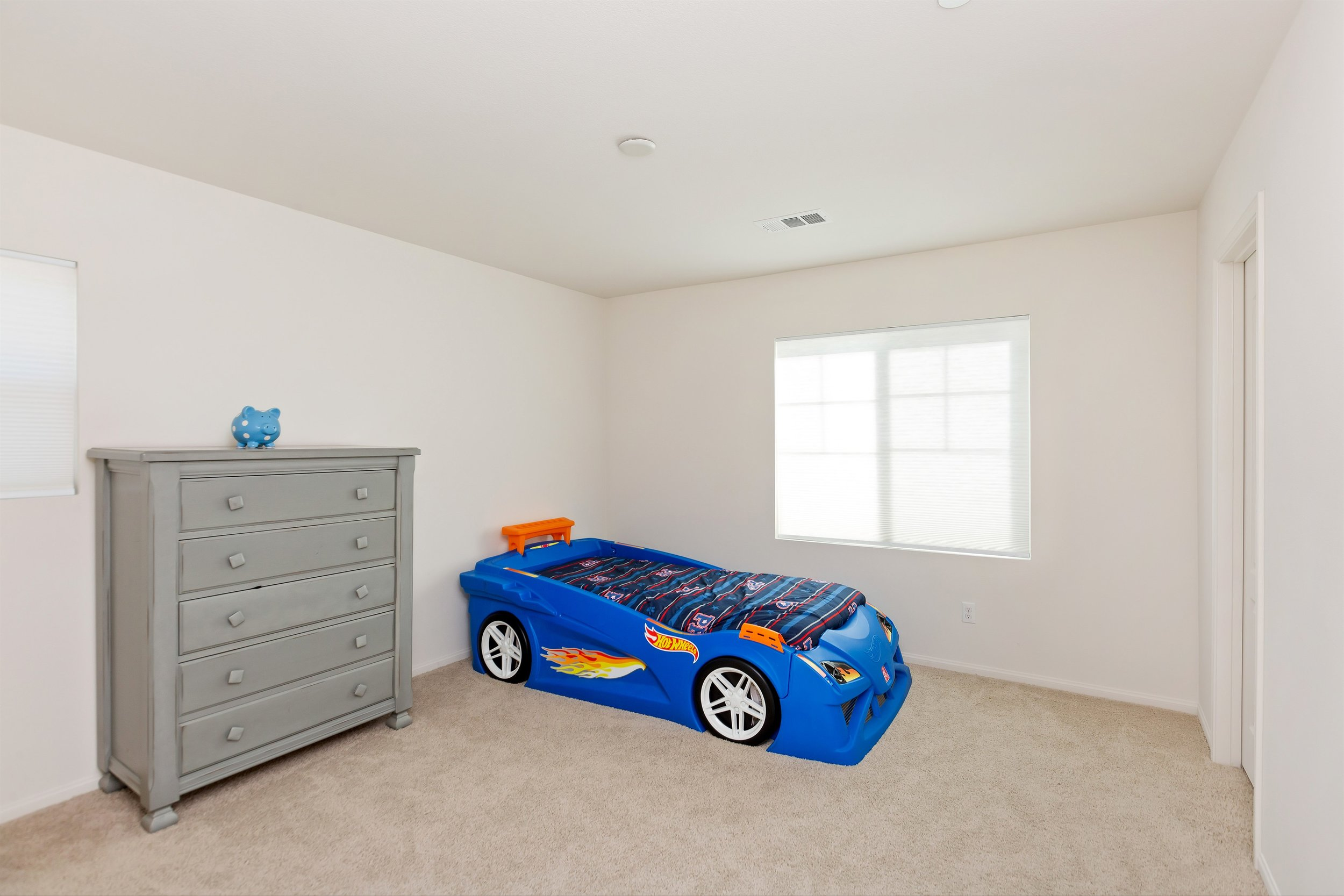 025_Bedroom.jpg