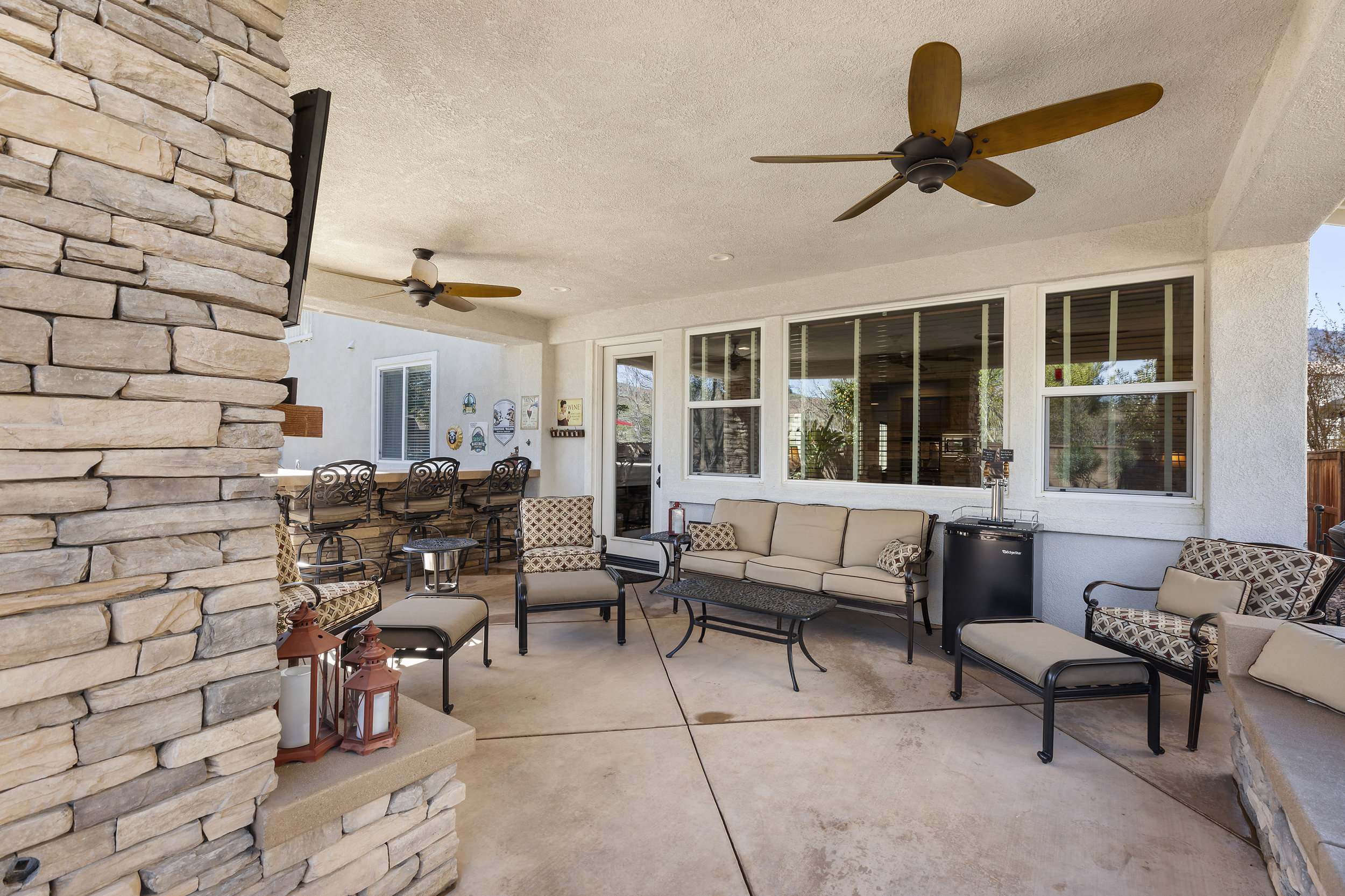 042_Covered Outdoor Room.jpg