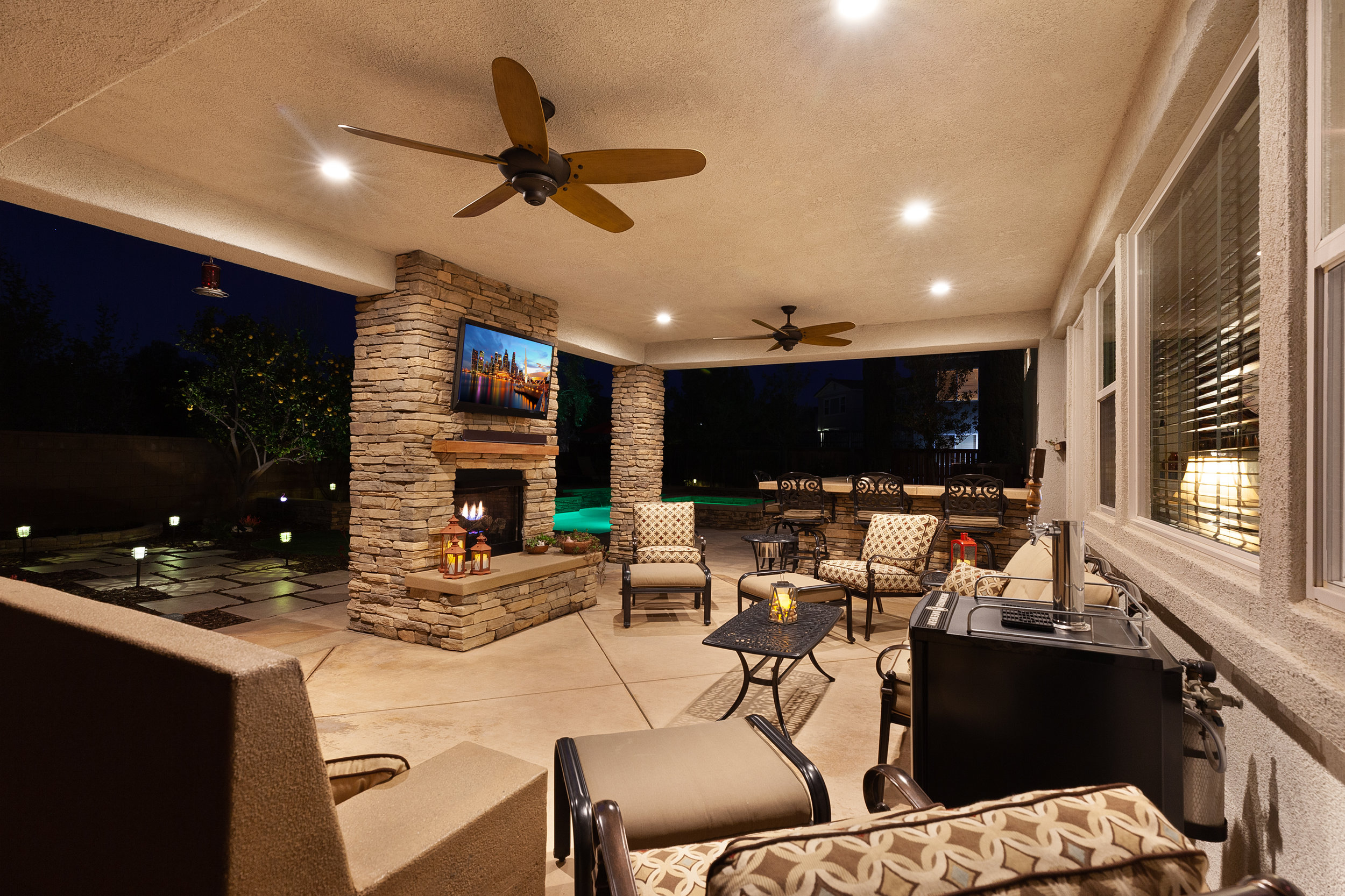056_Twilight Covered Patio View.jpg