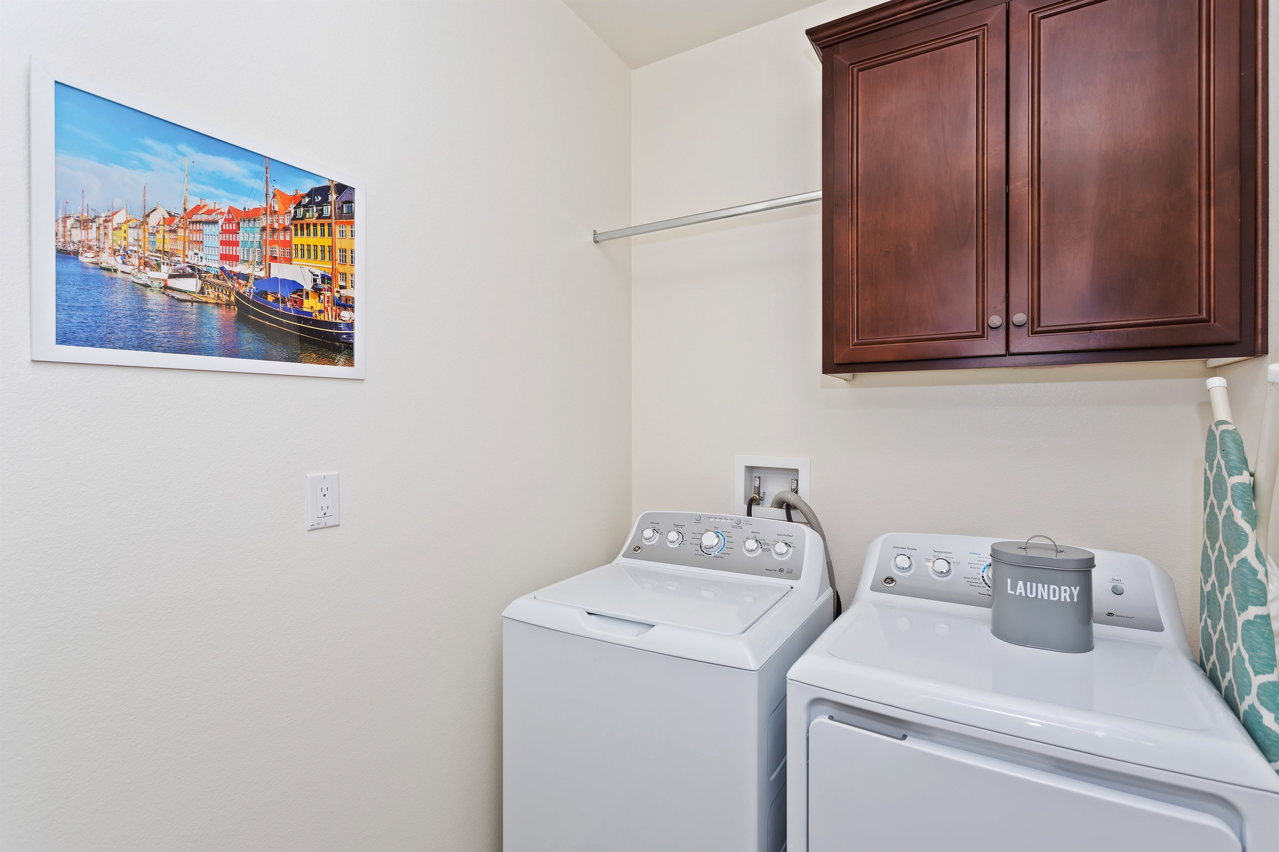 014_2nd Floor Laundry Room.jpg