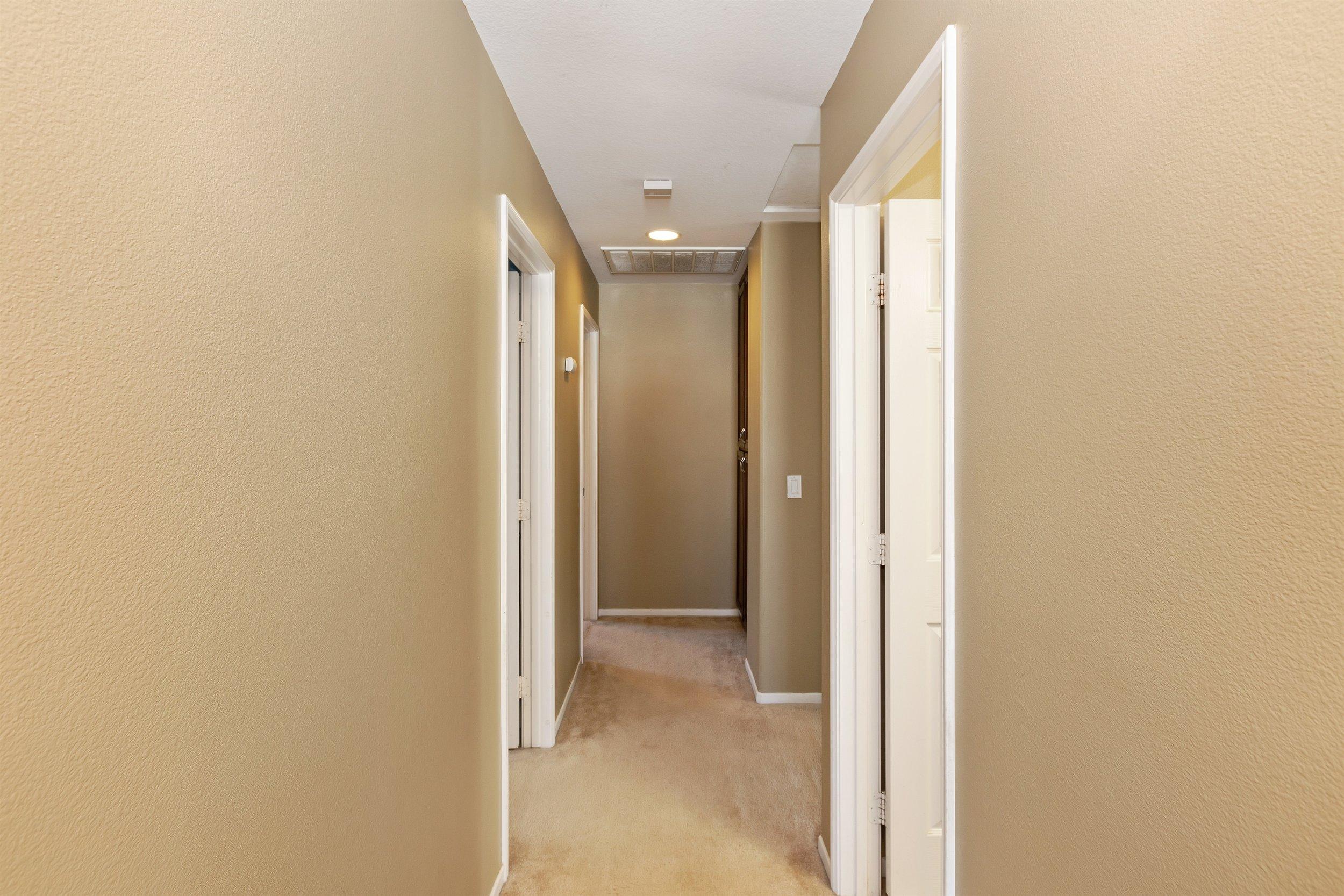 018_Hallway.jpg