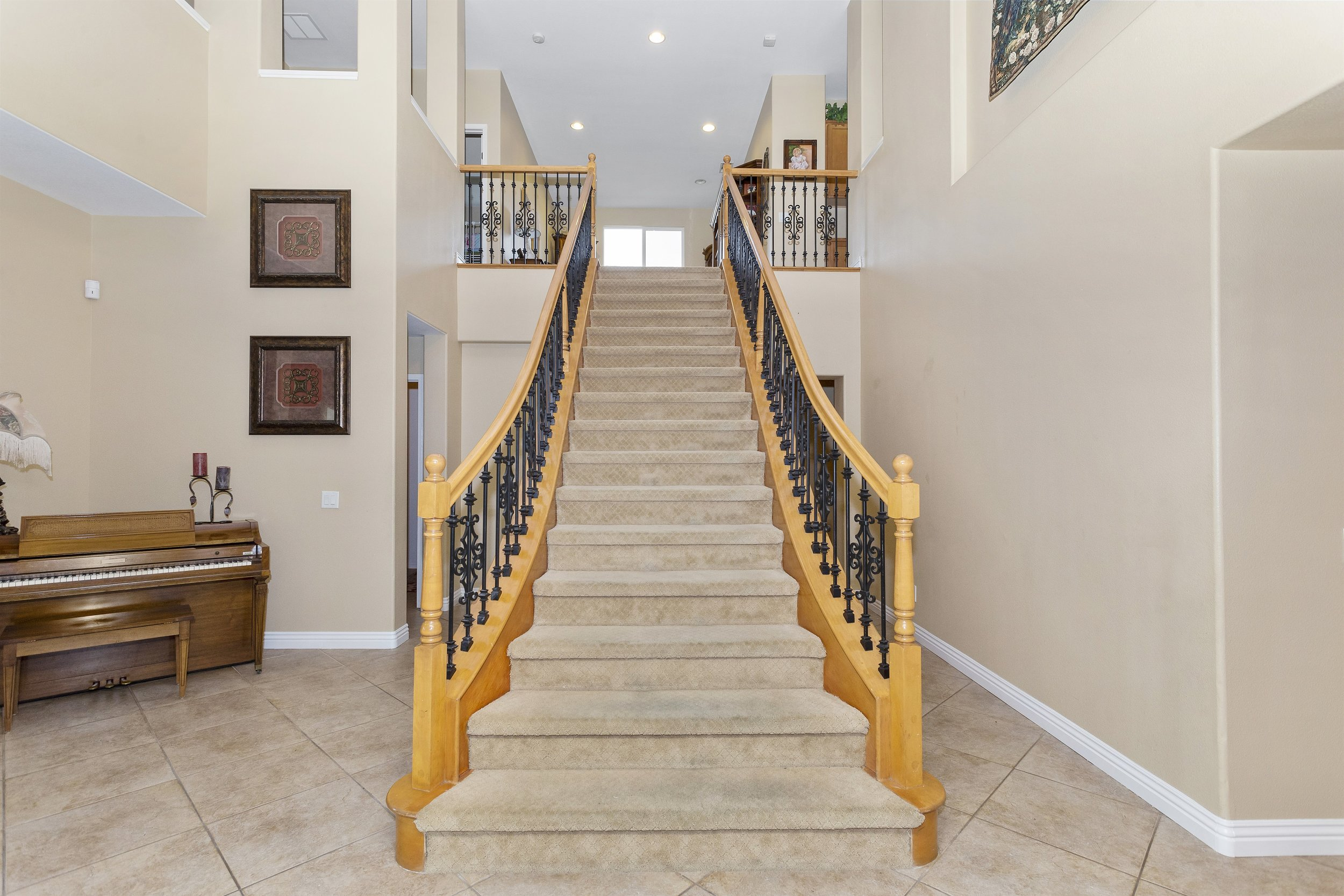 027_Staircase.jpg