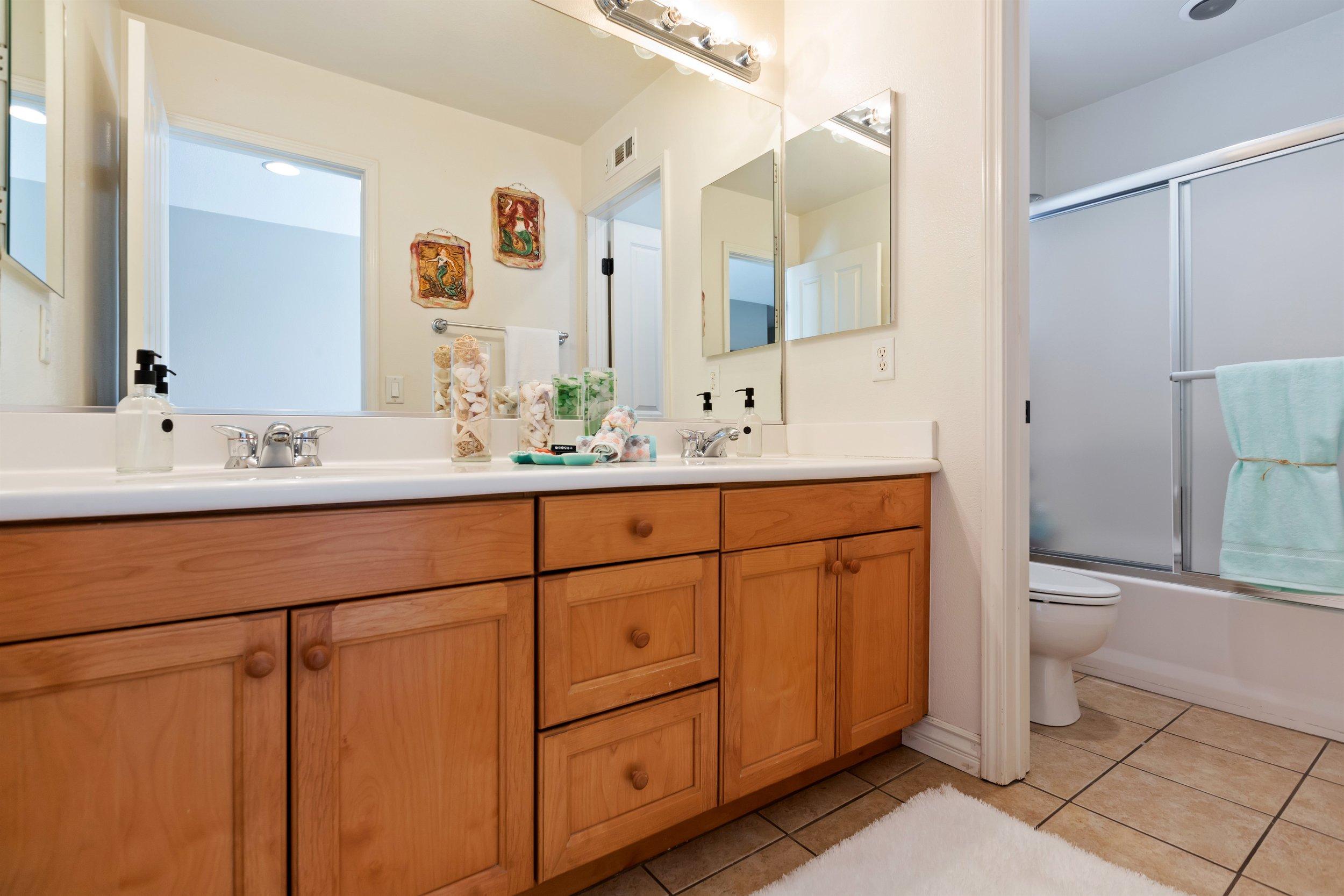 026_Bathroom  .jpg