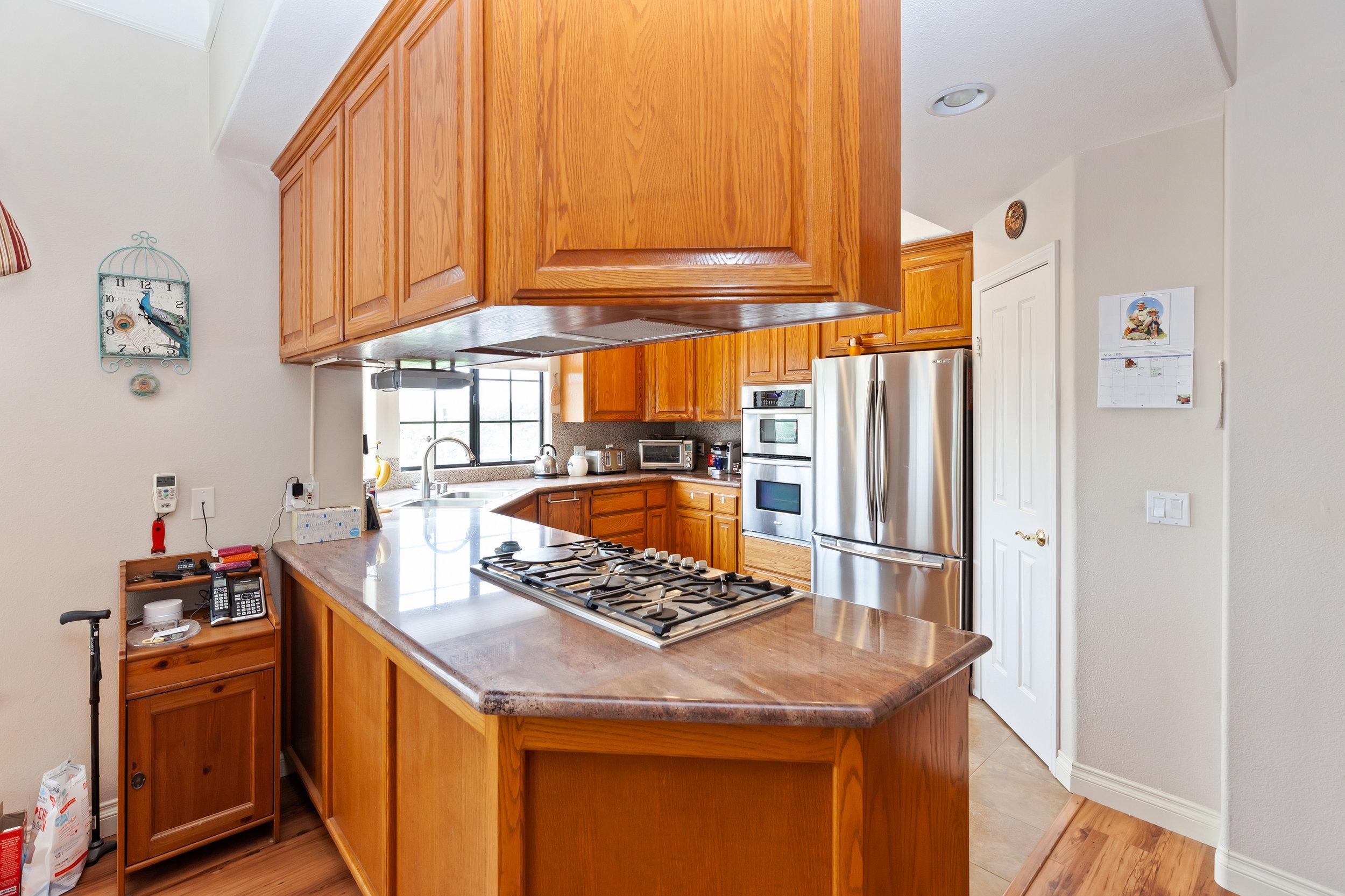 014_Kitchen .jpg
