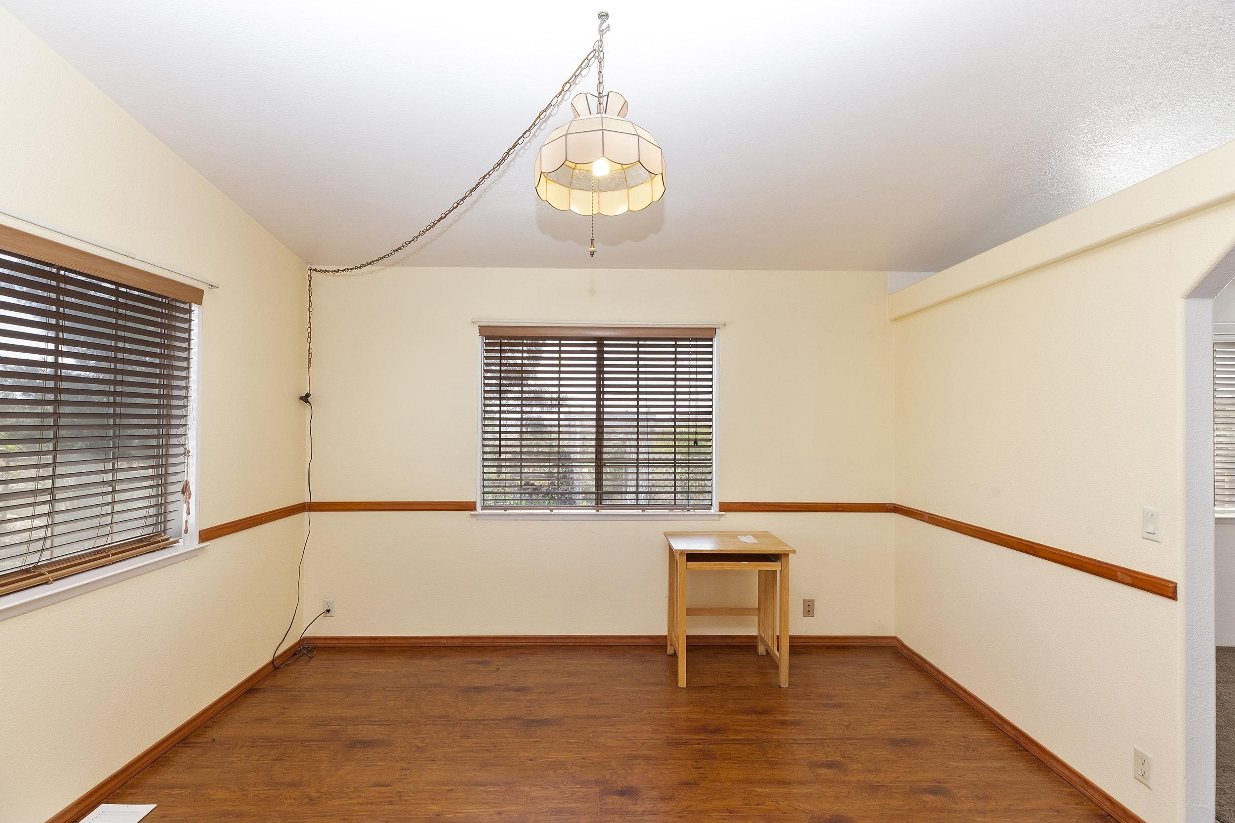 019_Dining Room.jpg