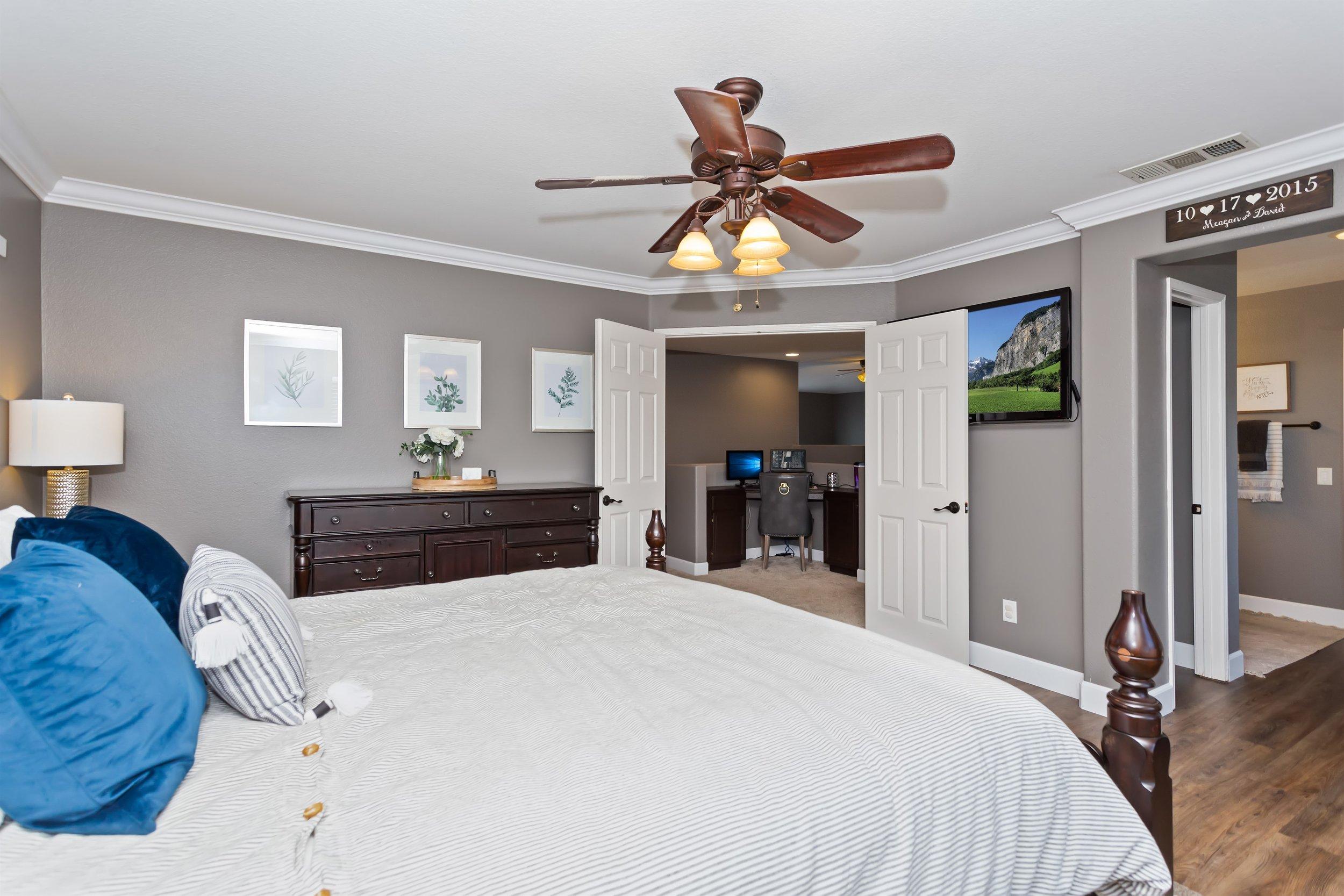027_Master Bedroom.jpg