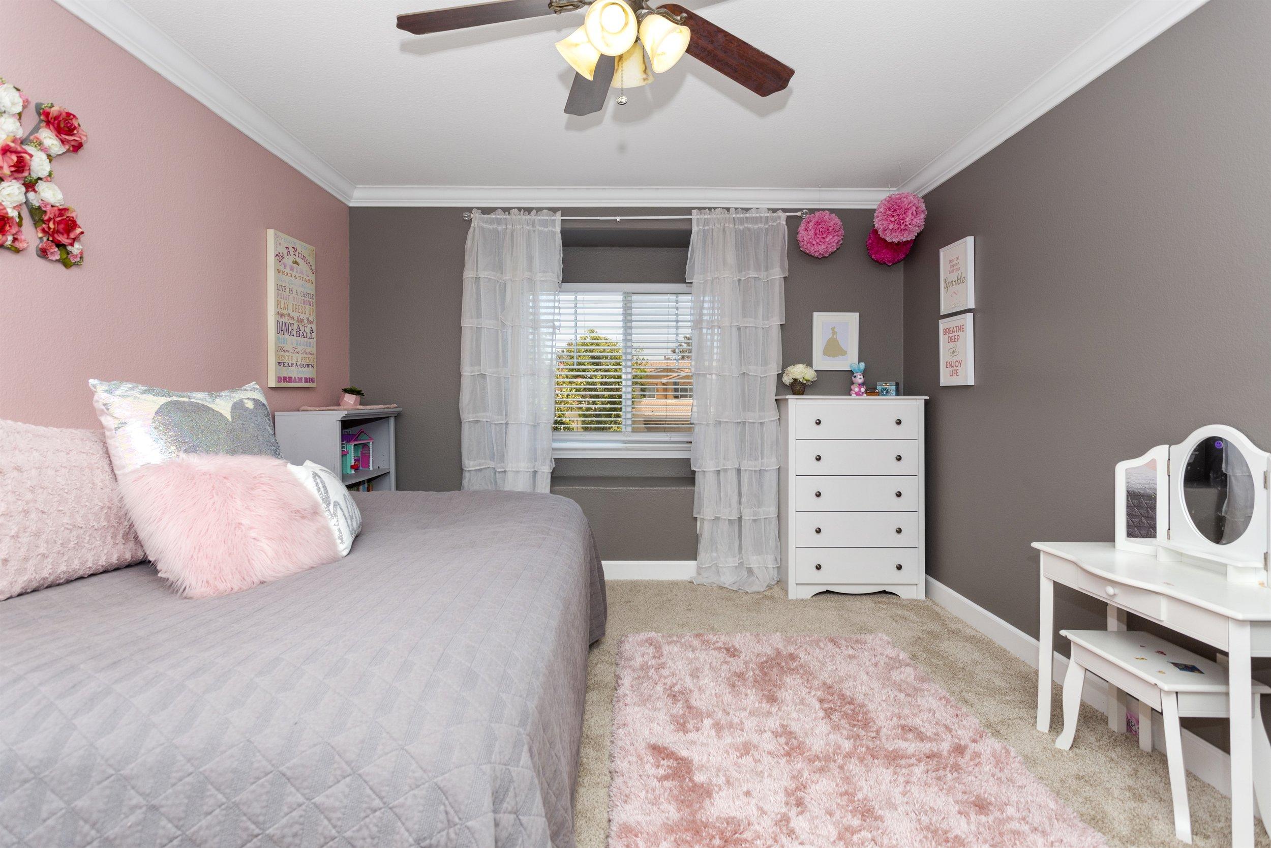 037_Bedroom.jpg