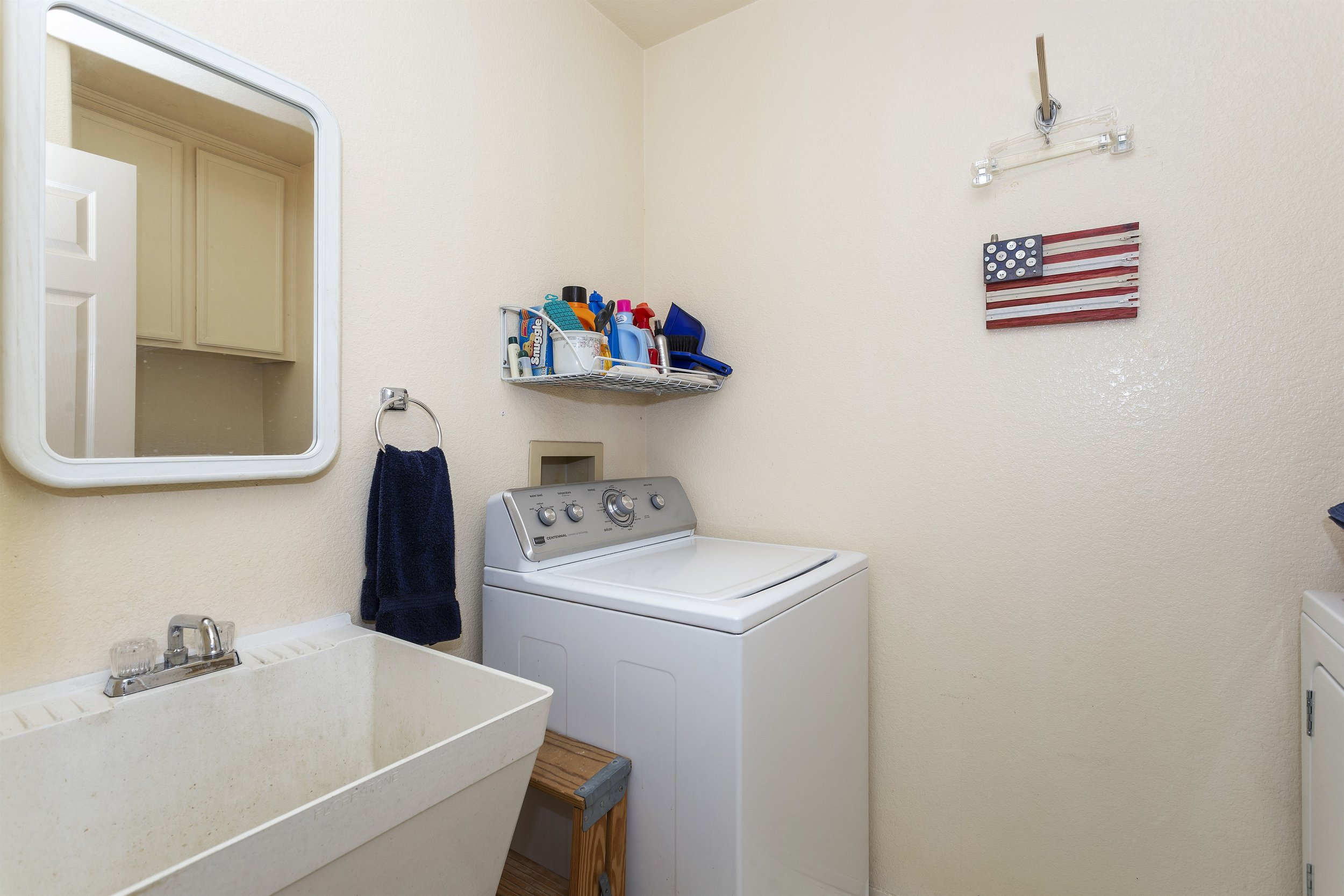 023_Laundry.jpg