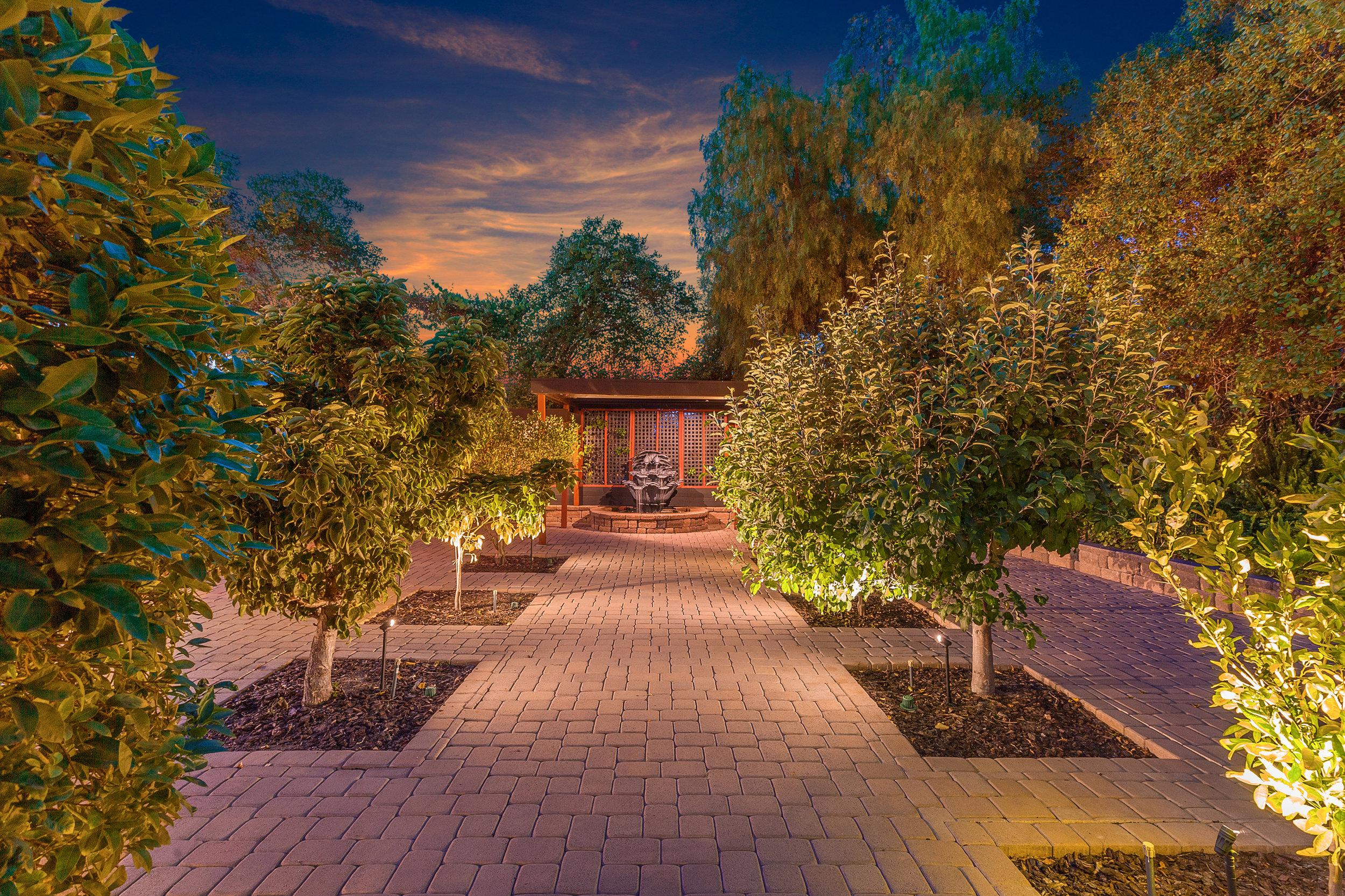 069_Twilight Backyard.jpg