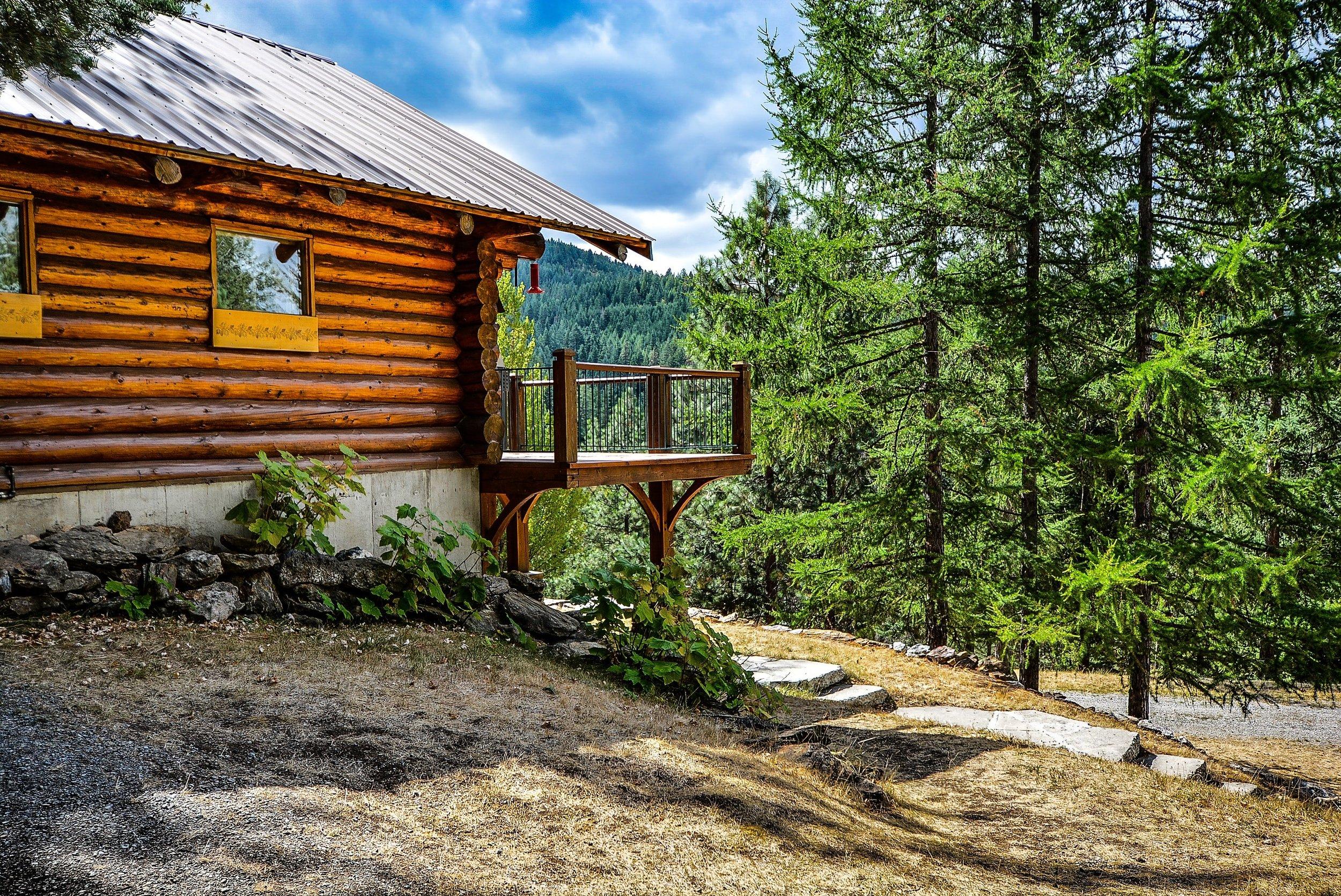 log-cabin-invest-real -estate.jpg