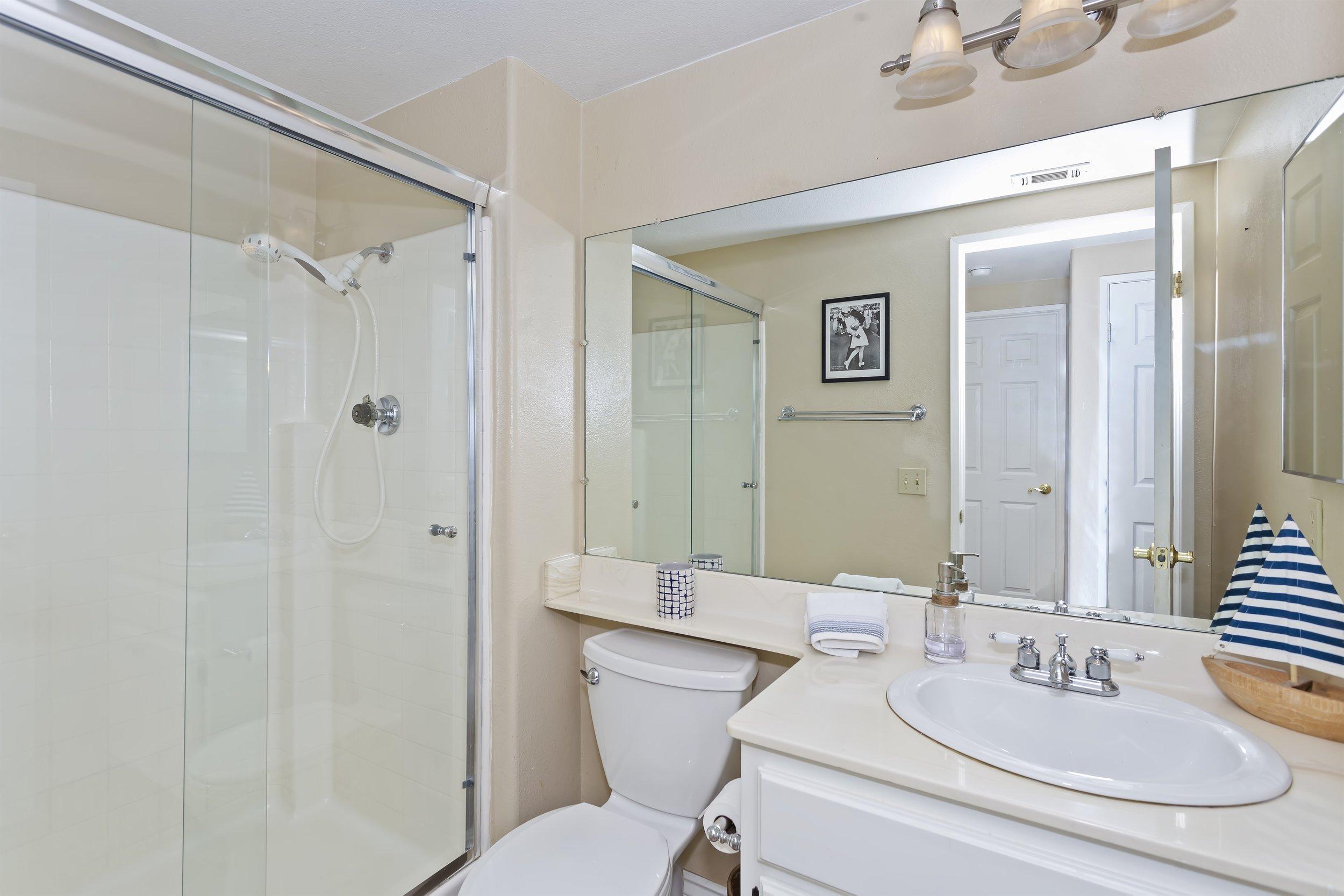 020_Bathroom.jpg