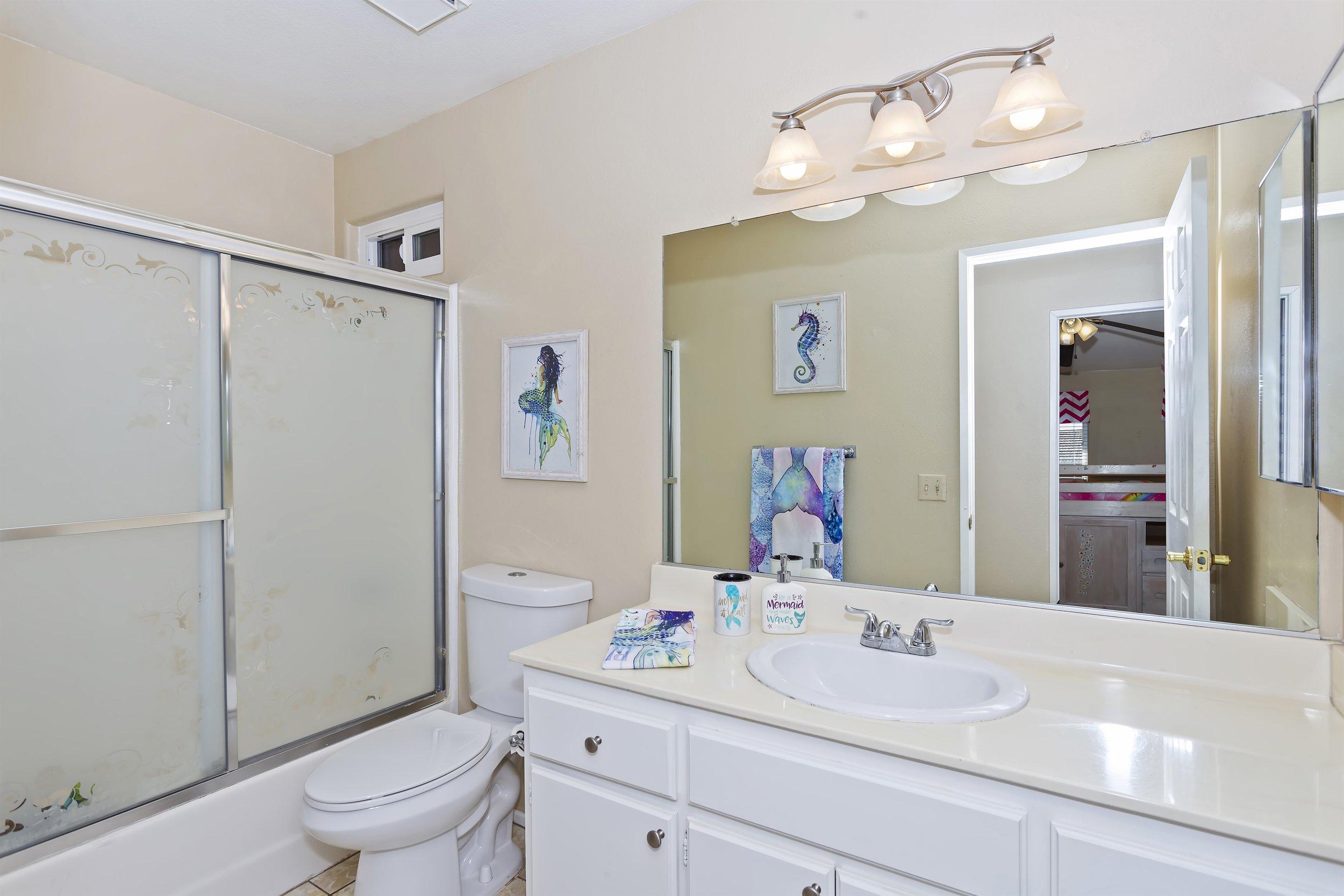 025_2nd Floor Bathroom.jpg