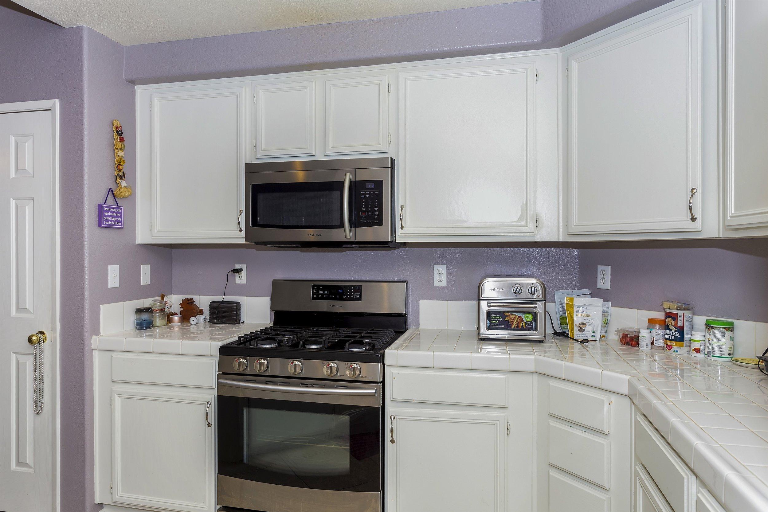 013_Kitchen.jpg