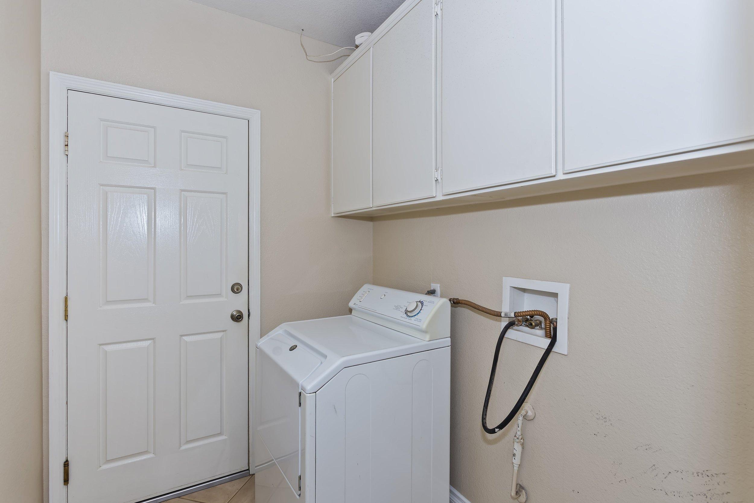 021_Laundry Room.jpg