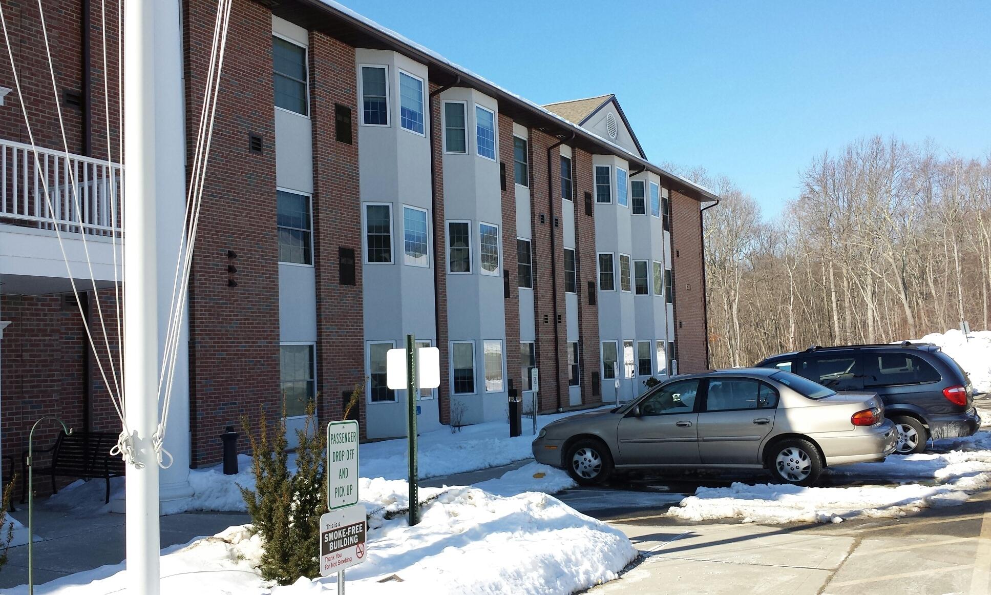 AHEPA 250 V Senior Apartments - 269 Roxbury RoadNiantic, CT 06357(860) 691-3329 TTY: (800) 676-3777 or 711 (English)TTY: (800) 676-4290 or 711 (Español)info@ahepahousing.org