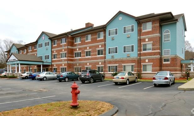 AHEPA 110 III Senior Apartments - 370 Hamilton AvenueNorwich, CT 06360(860) 859-9624 TTY: (800) 676-3777 or 711 (English)TTY: (800) 676-4290 or 711 (Español)info@ahepahousing.org