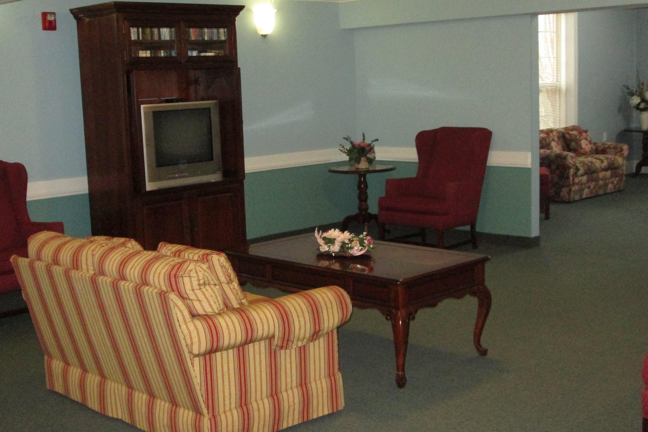 9. upstairs sitting area  (6).JPG