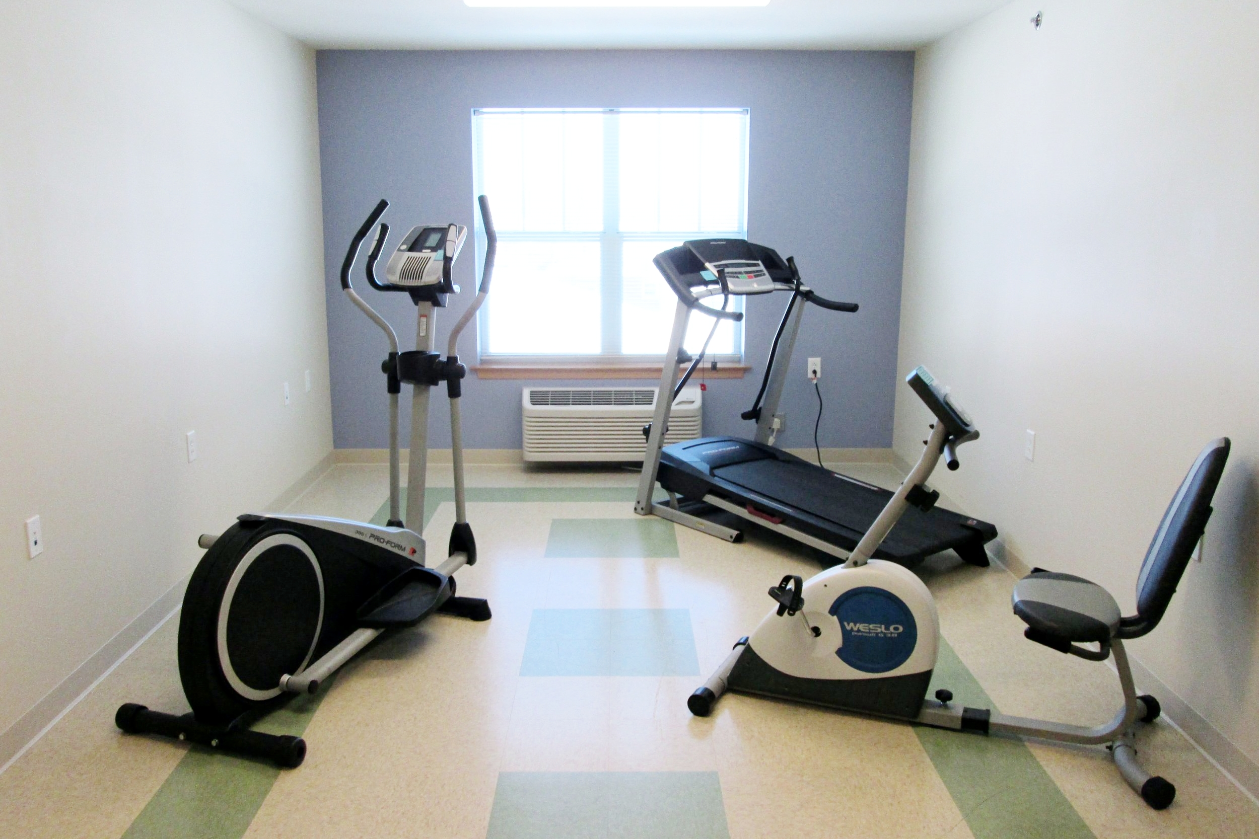 Photo 11-Exercise Room.JPG