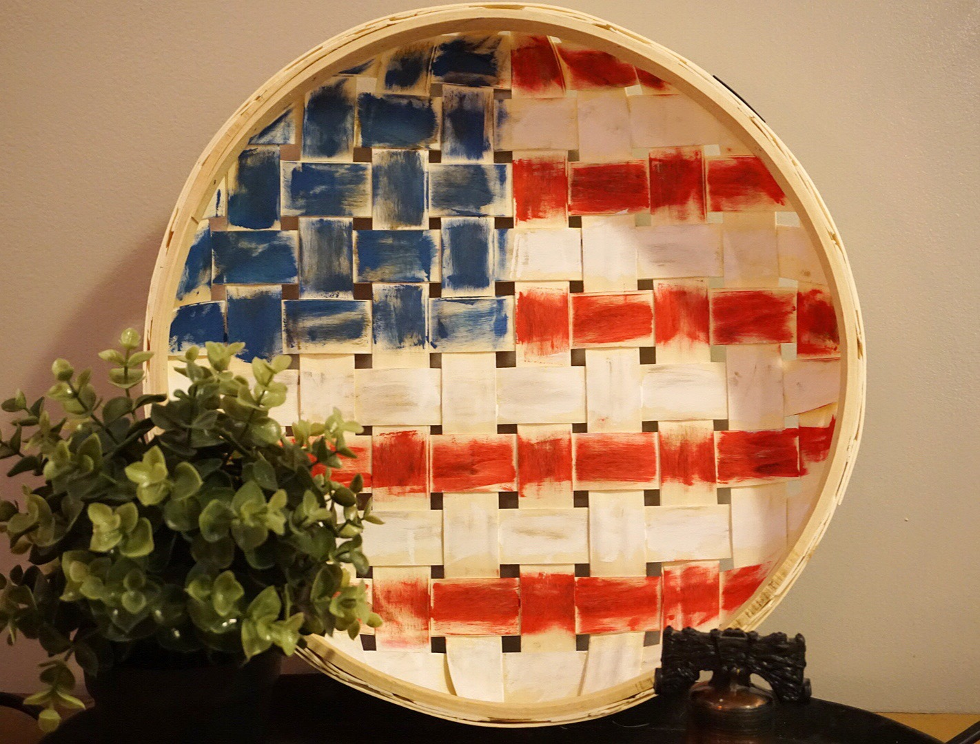Make your own farmhouse style 4th of July decor with this easy DIY basket flag.