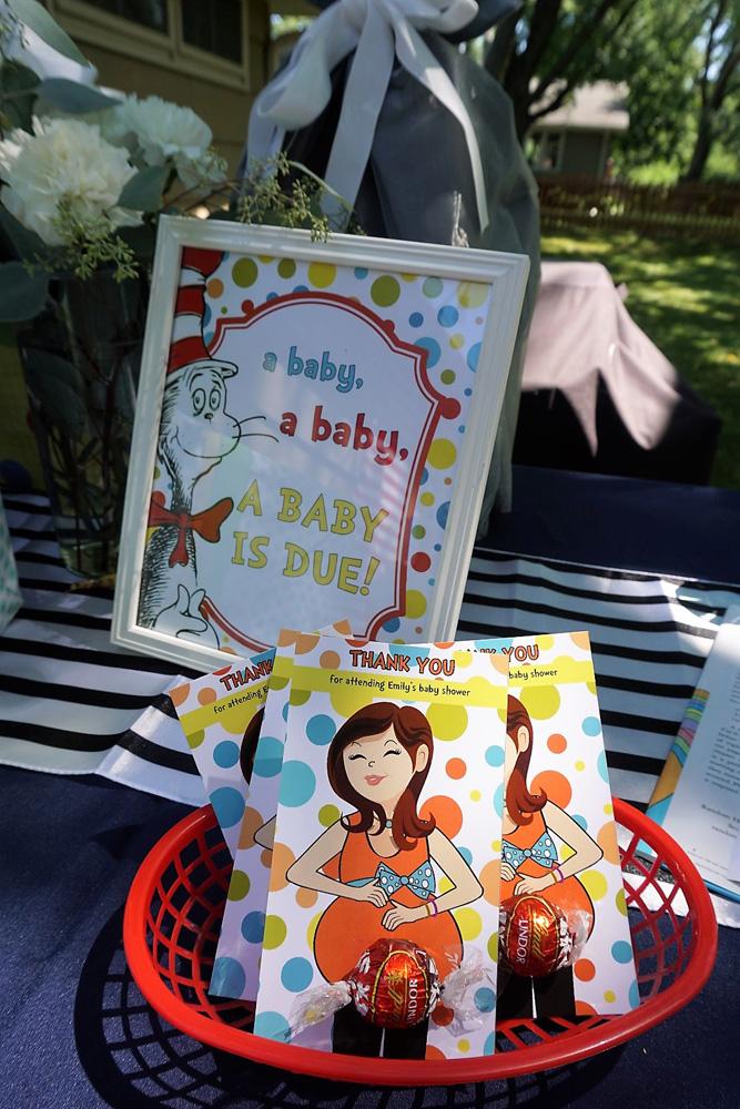 Dr. Seuss baby shower favor idea