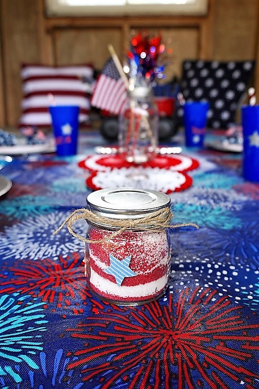 DIY 4th of July sand art makes an easy 4th of July kids craft.