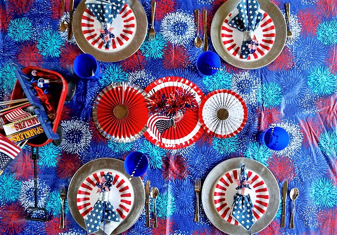 4th of July picnic table setting