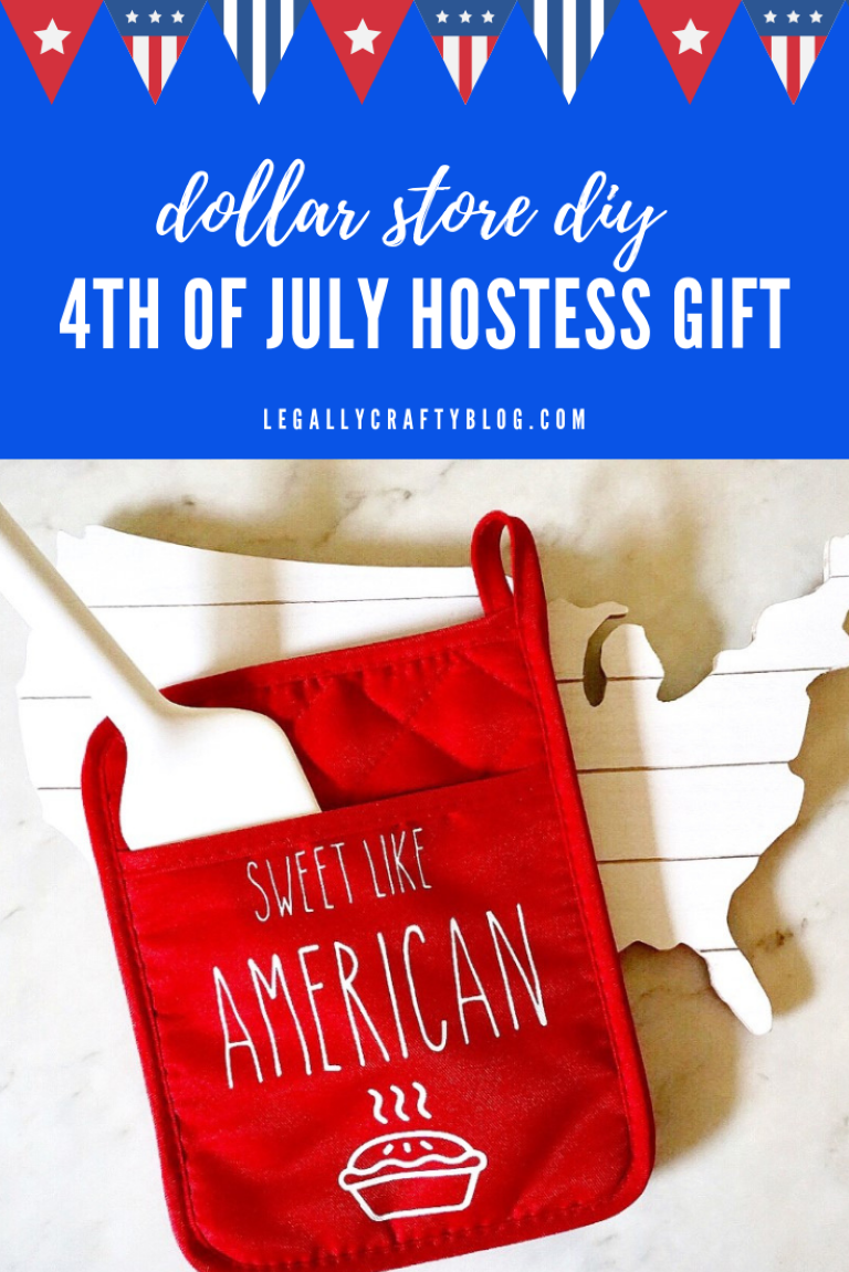 Impress your 4th of July hostess with a DIY gift made with a dollar store oven mitt and your Cricut! Click here for the design and a supply list! #circutmade #cricutcrafts #hostessgifts #4thofjulycrafts #4thofjulydiy #diyovenmitt #cricuteasypress