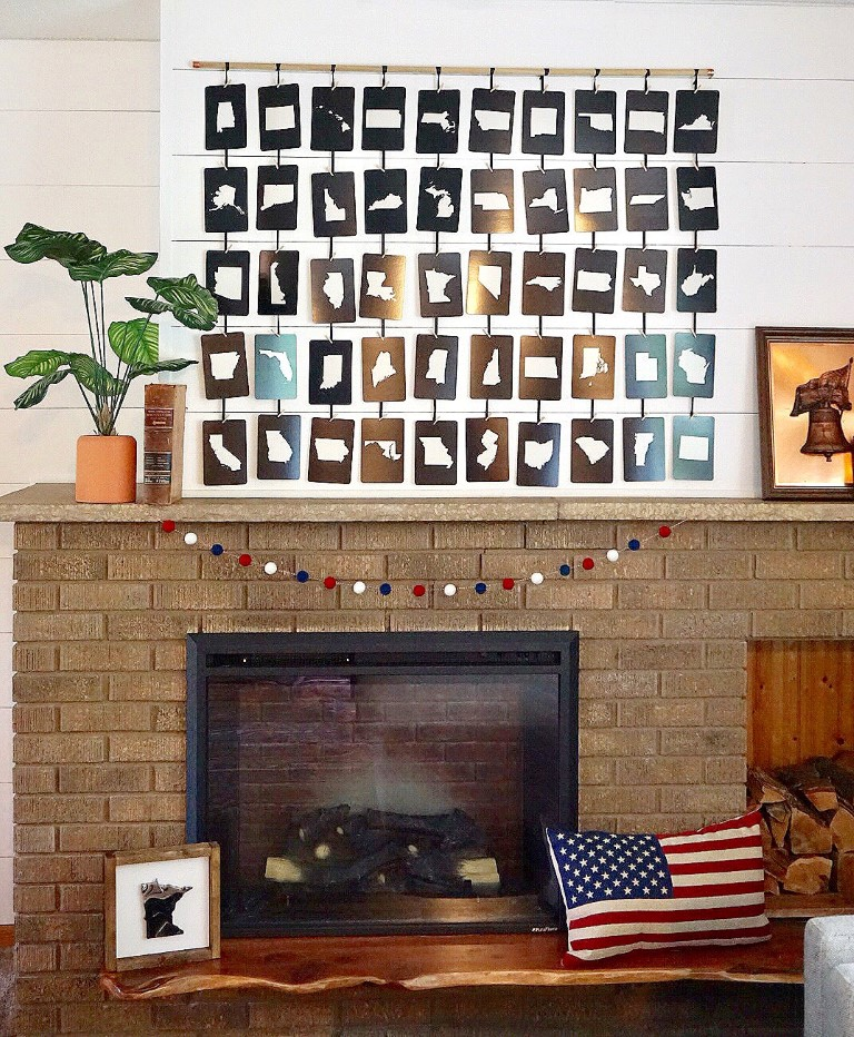 4th of July mantel with patriotic decorations