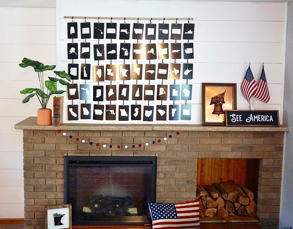 4th of July mantel with DIY patriotic decorations