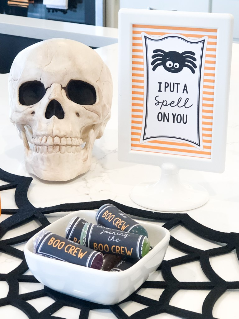 Party favor idea for kids Halloween party
