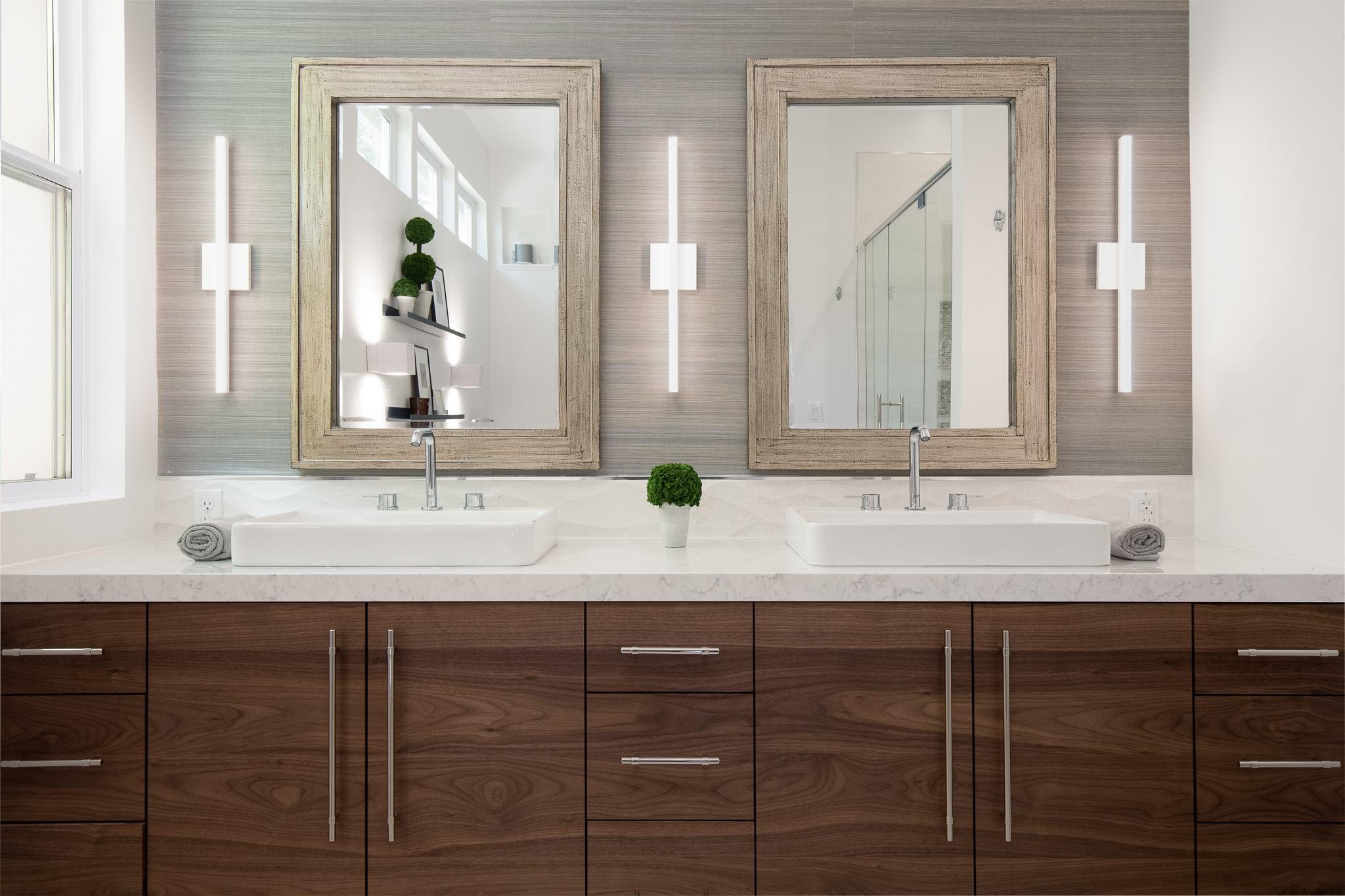Sinks and Vanity Lights.jpg