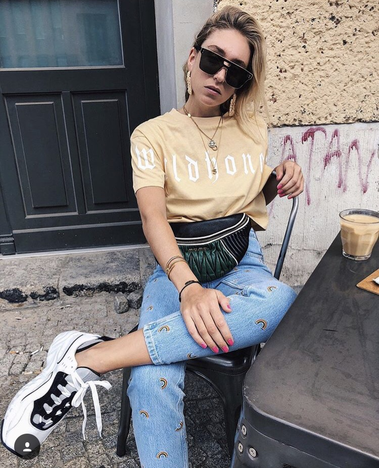 Denims isHeaven - Most trends are easy to wear when you choose simple!Denim is the most obvious item in my closet.Jeans + Sneakers = Winning-Sonia Lyson