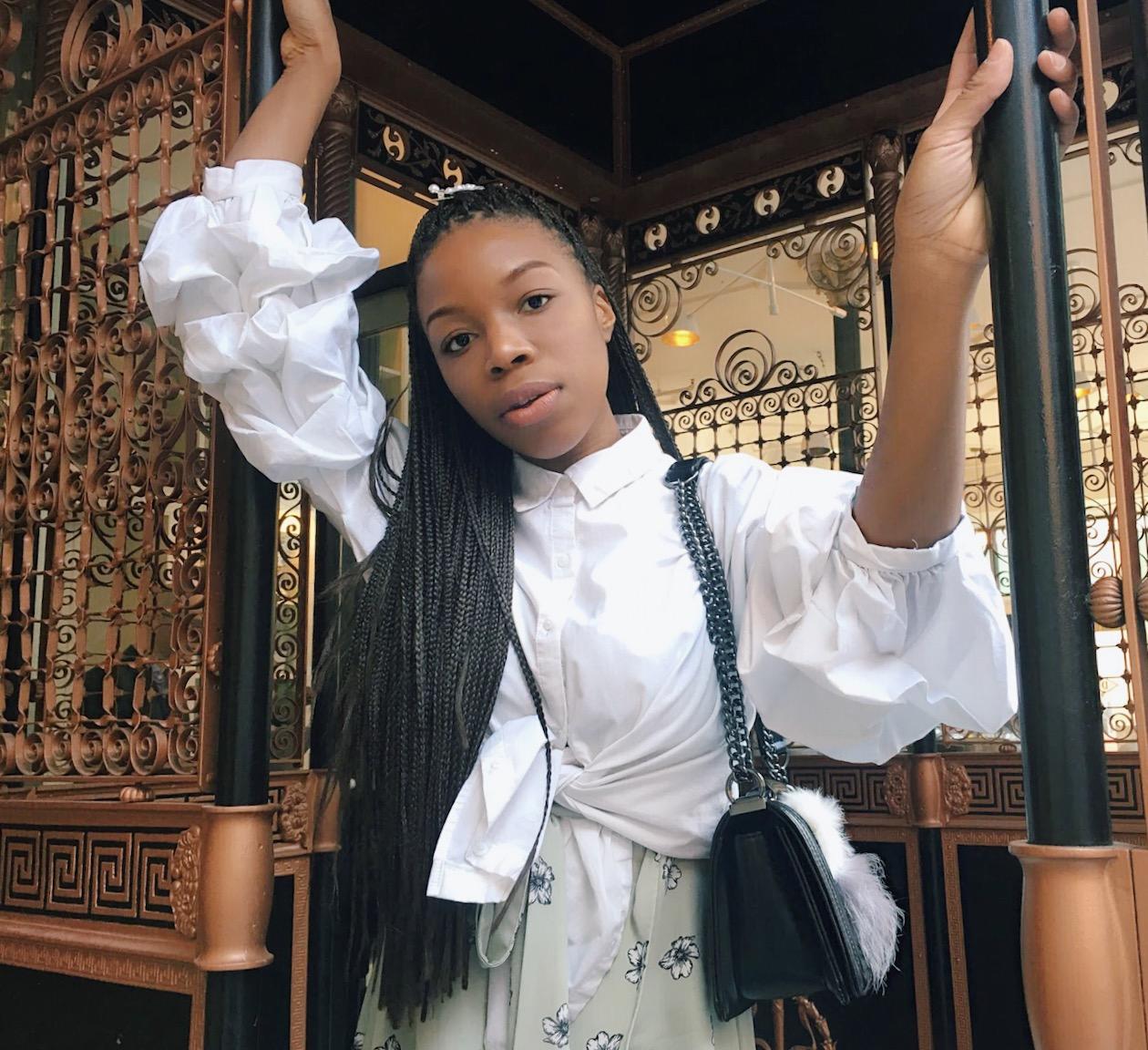 fashion blogger white puffy sleeves trend high fashion