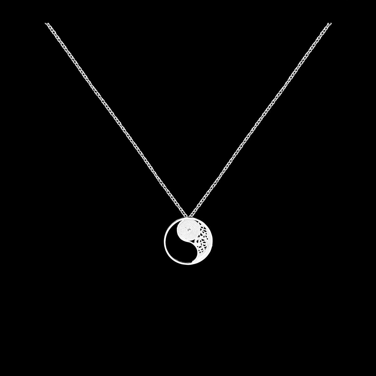 Cesar Oliveira Fotografia - Fotografo de produto, moda e publicade - Fotografia de joalharia - colar - necklace - 02.png