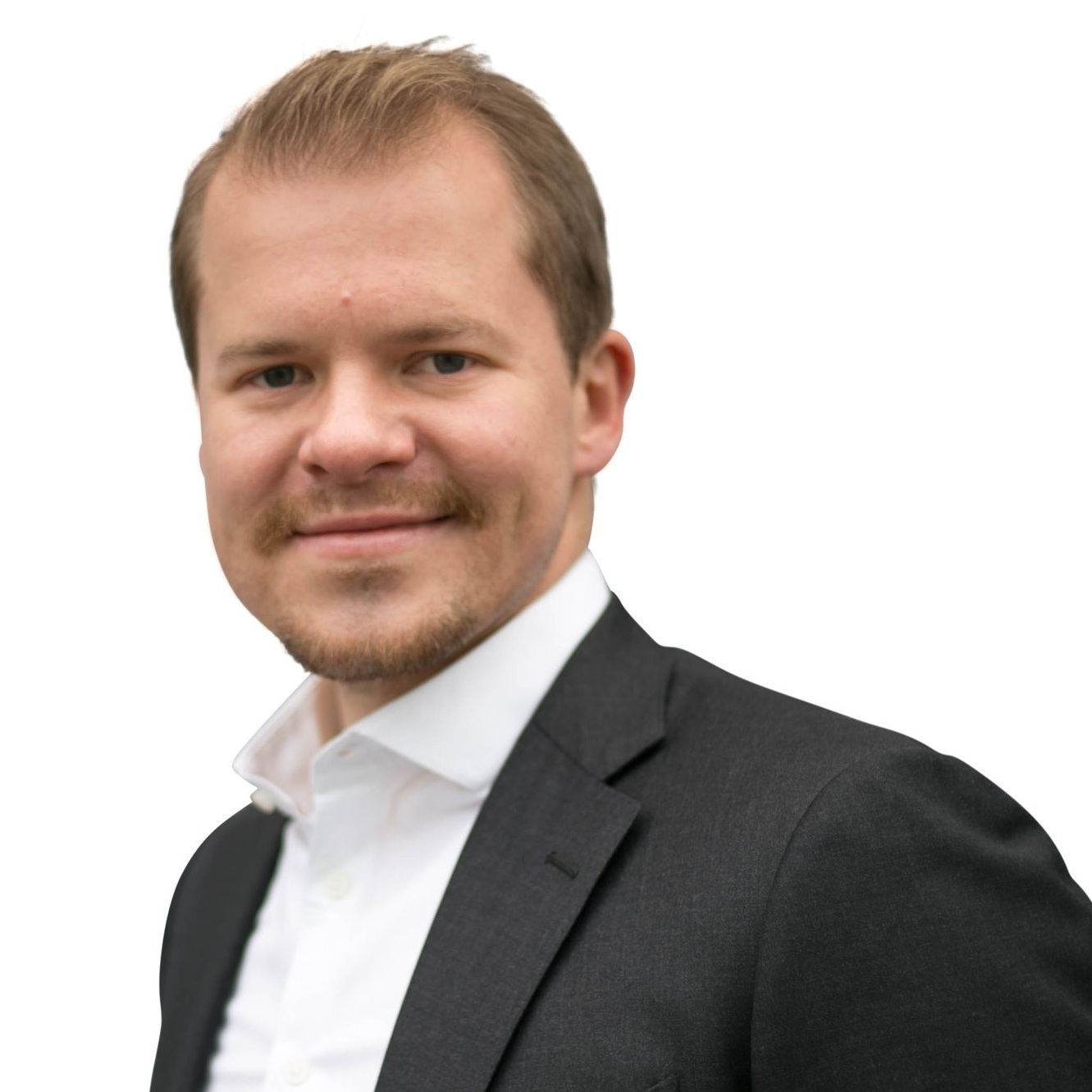 Philipp Salas   Project Manager  10 years top management consulting experience