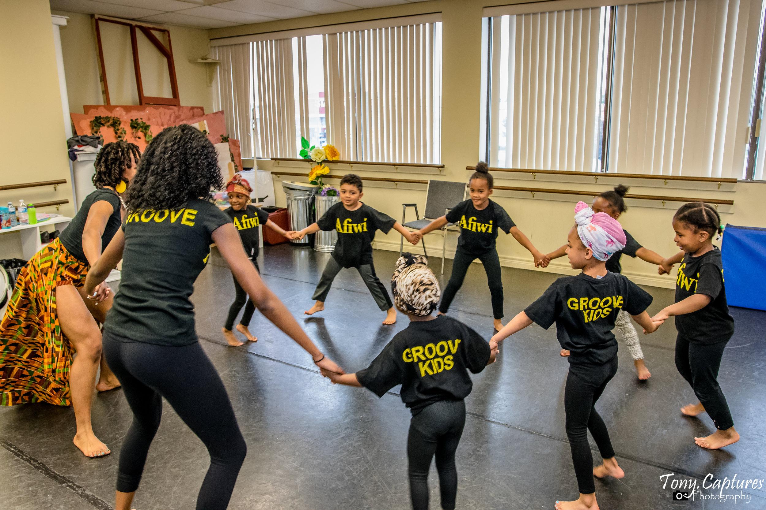 Afiwi Dance  School 2017-37 (1).jpg