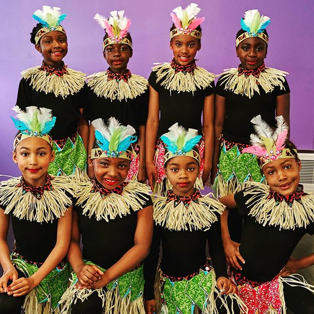 Registration is now open for Afiwi Little Groovers class age ( 6-8) We now offer classes on Sundays and Tuesdays!  Come and join us for another incredible dance and drum season at Afiwi Groove!We've just moved into a brand new space and cant wait to see what this year will hold for us.  For all inquires please email info@afiwigroove.com or call 647-3938035  and come out for our Open House on September 8th!  Photo by @tony.captures