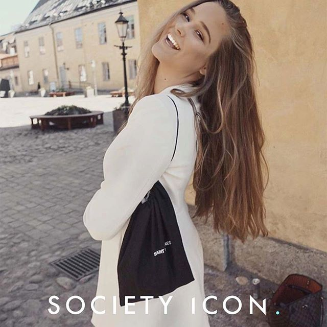 @helenemelker is our ICON OF THE DAY! Helene loves to create new and unique content and she does it with her own amazing touch ✨ #societyicon #iconoftheday