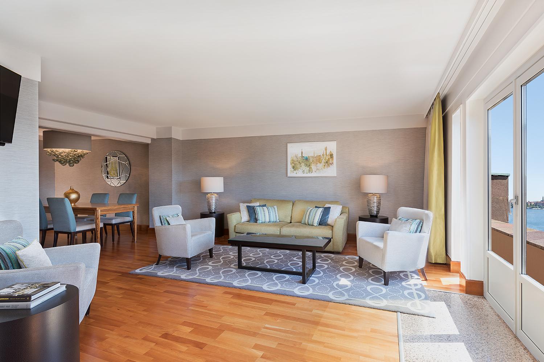 Ambassador Suite- livingroom.jpg