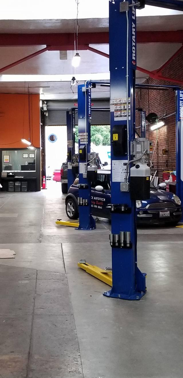 Pearce Autotech BMW, Mini, VW, Audi Repair_lifts.jpg