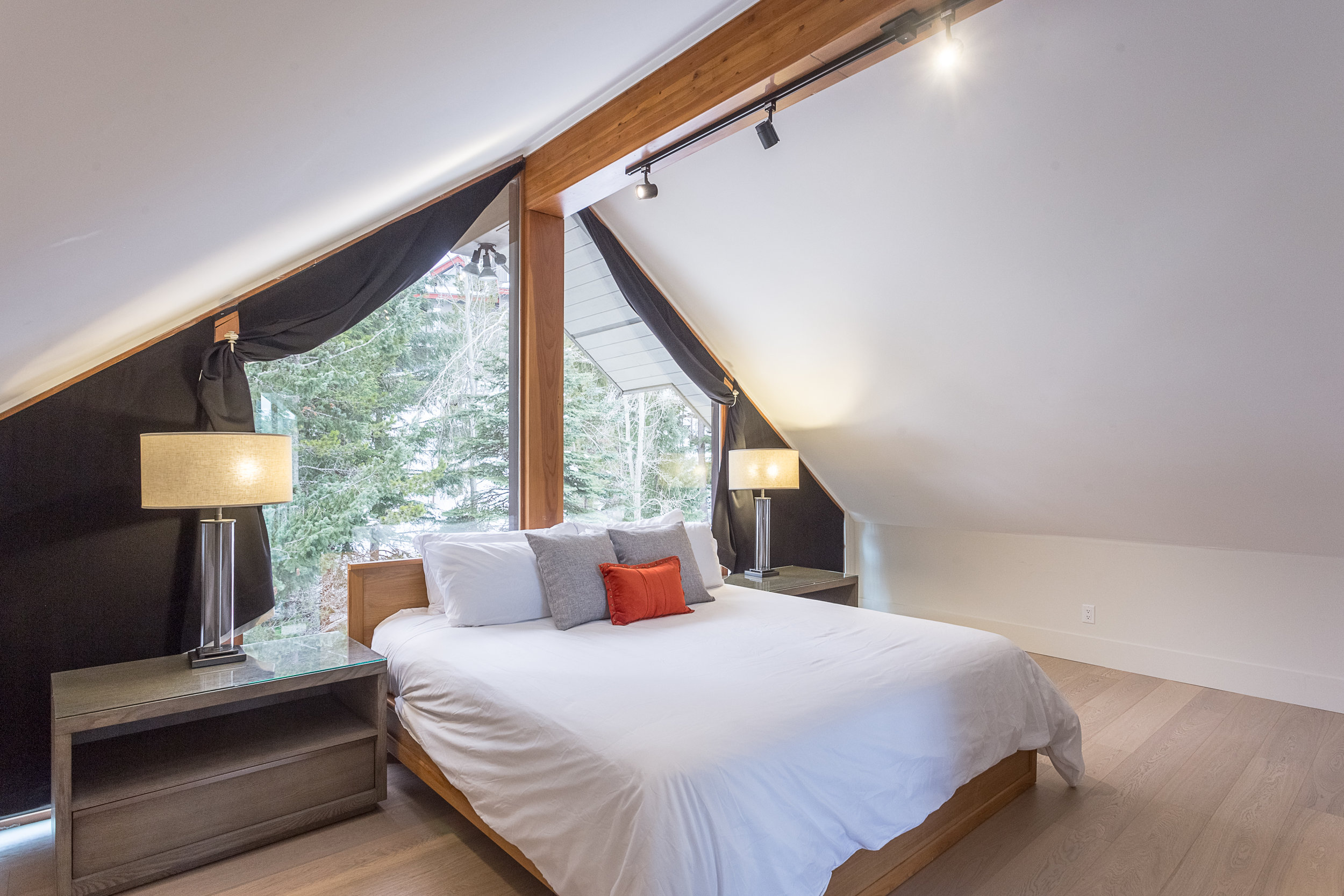 Night Hawk Lane - Master Bedroom