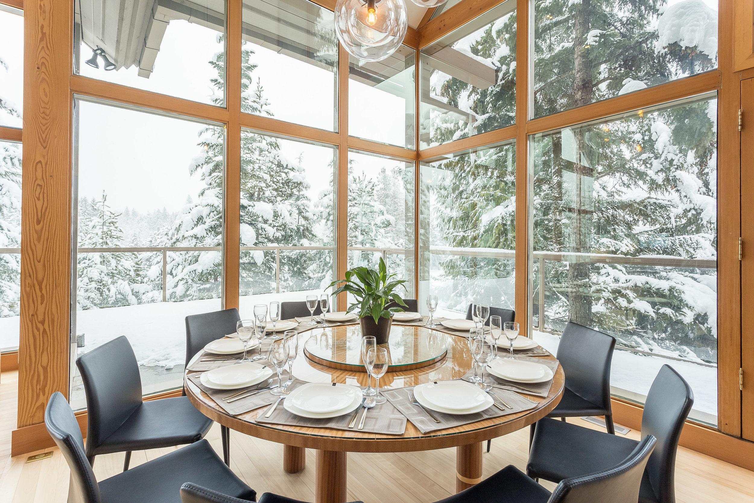 Night Hawk Lane - Indoor dining area with amazing views