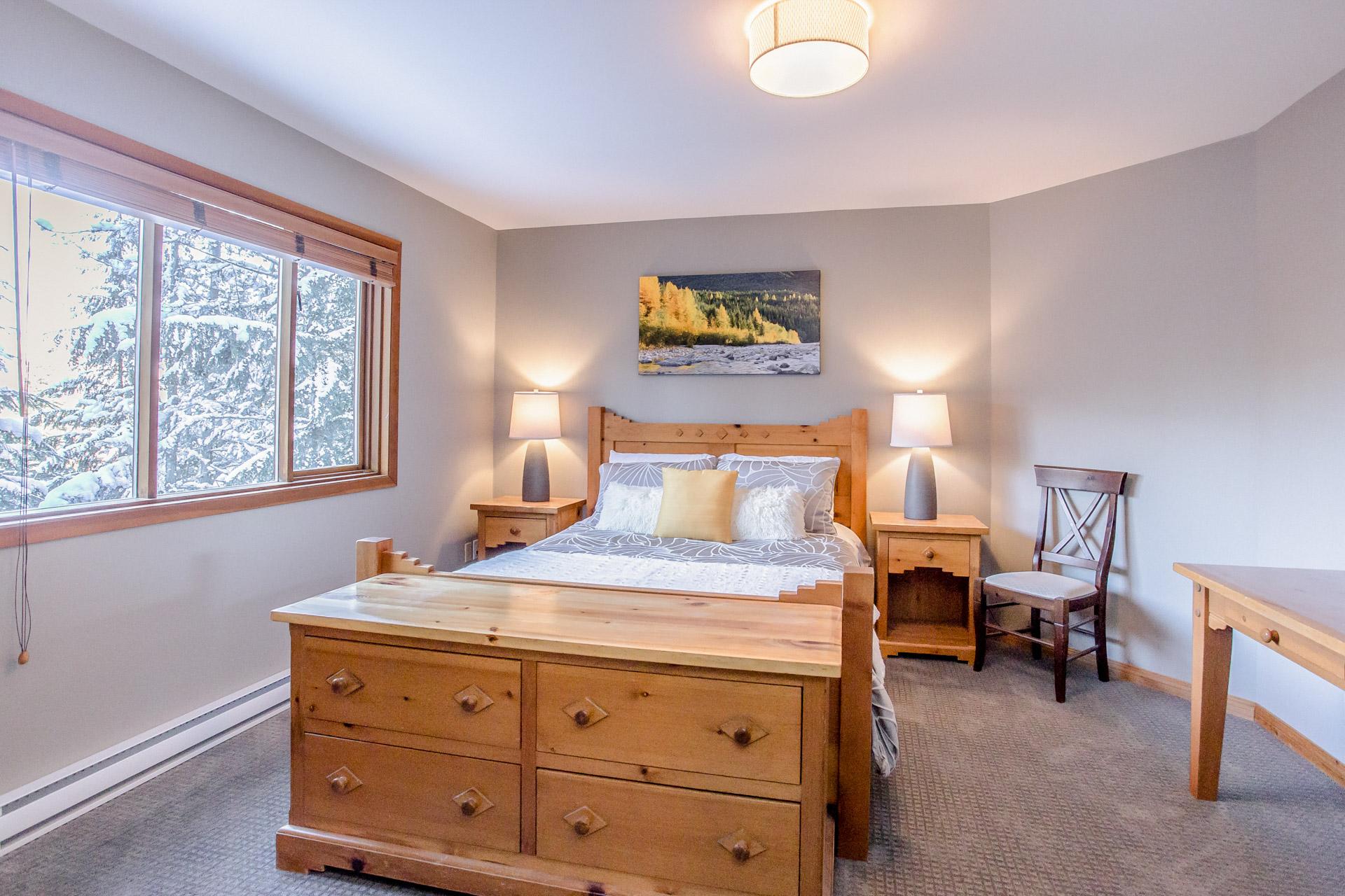 Aurora Lodge - Bedroom 1